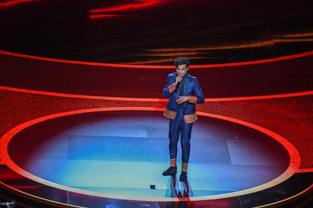 US actor Utkarsh Ambudkar performs onstage during the 92nd Oscars at the Dolby Theatre in Hollywood, California on February 9, 2020. (Photo by Mark RALSTON / AFP)