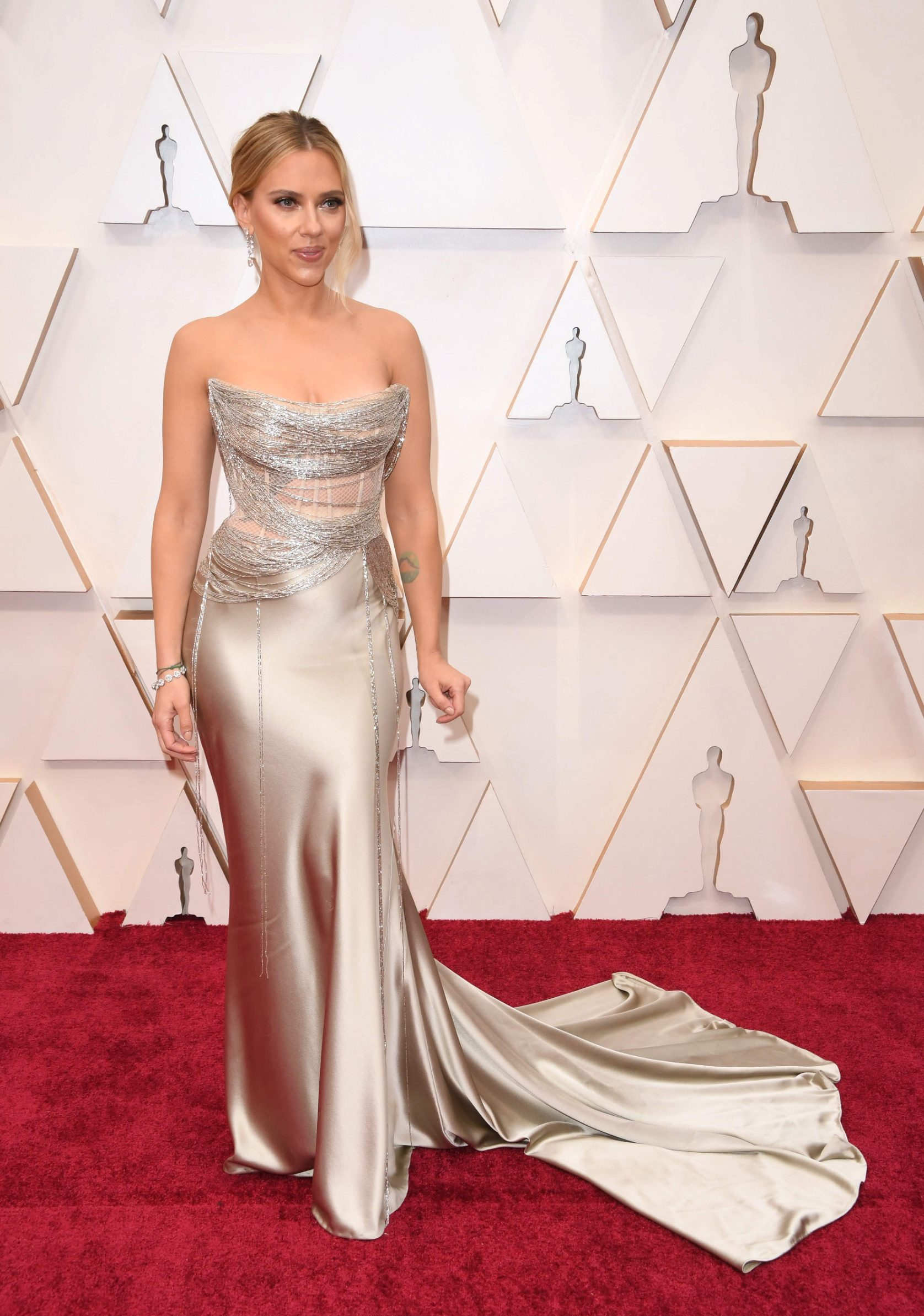 US actress Scarlett Johansson arrives for the 92nd Oscars at the Dolby Theatre in Hollywood, California on February 9, 2020. (Photo by Robyn Beck / AFP)