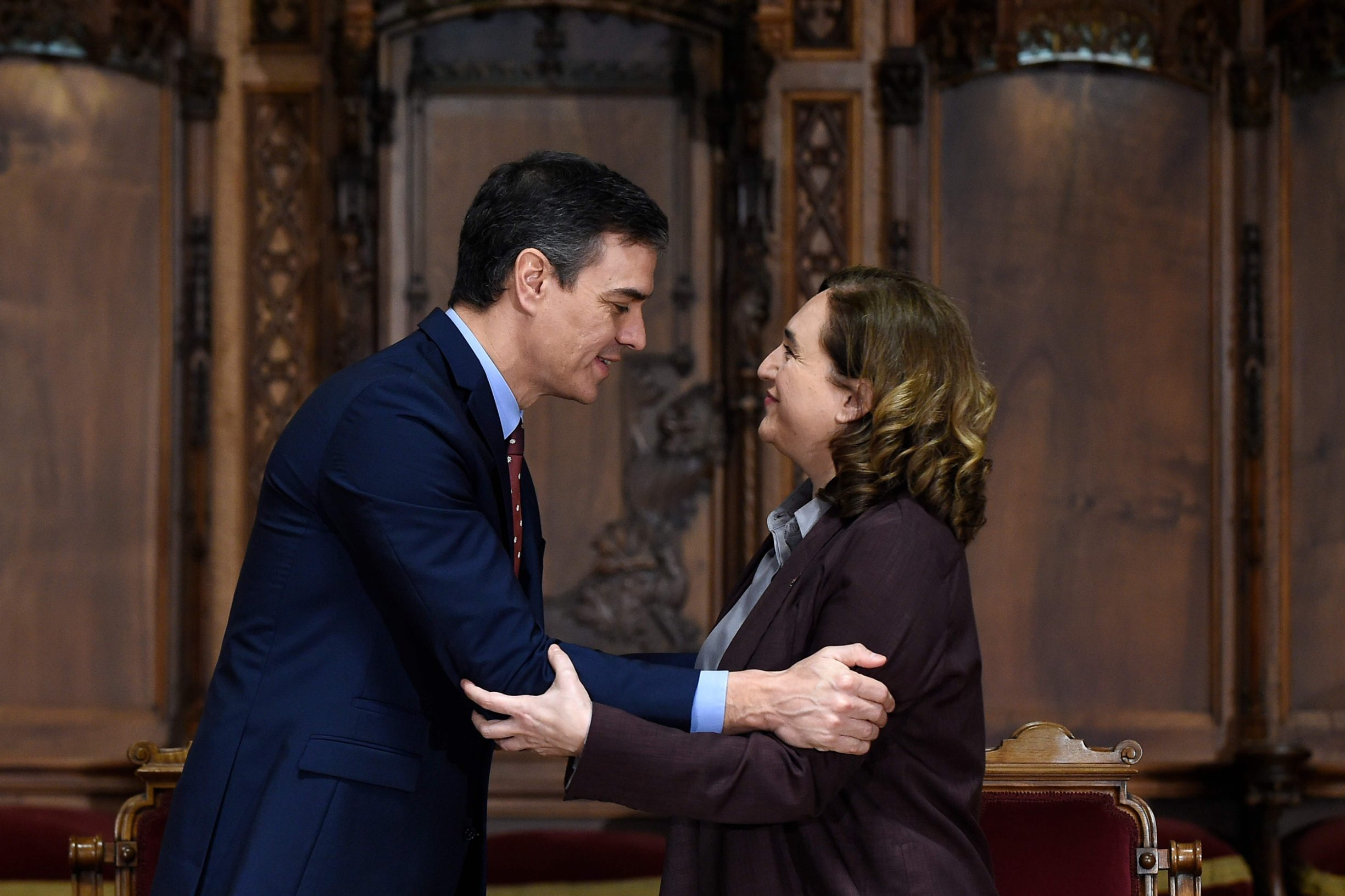 Španjolski premijer Pedro Sanchez i Ada Colau, gradonačelnica Barcelone