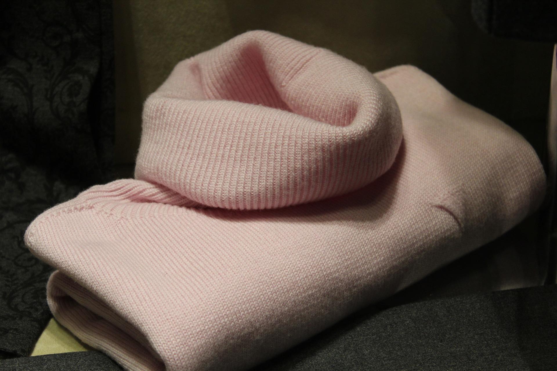 sweater-1222876_1920