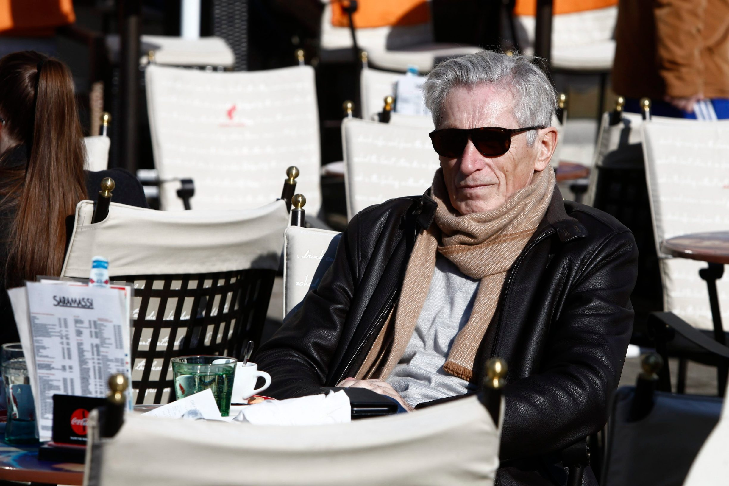 Samobor, 130220. Trg kralja Tomislava. Tomislav Horvatincic pije kavu na samoborskom glavnom trgu u drustvu prijatelja. Na fotografiji: Tomislav Horvatincic. Foto: Zeljko Puhovski / CROPIX
