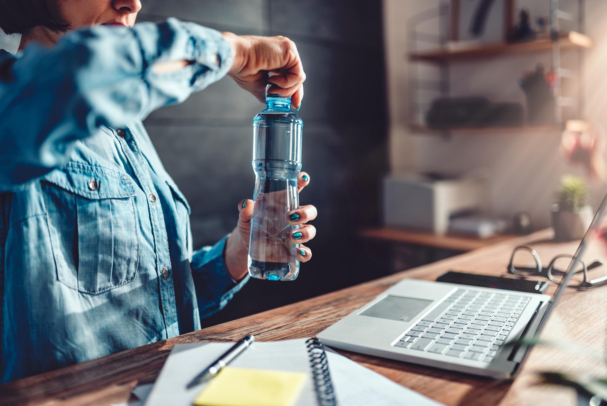 Iz kupovne plastične boce vodu popijte samo jednom