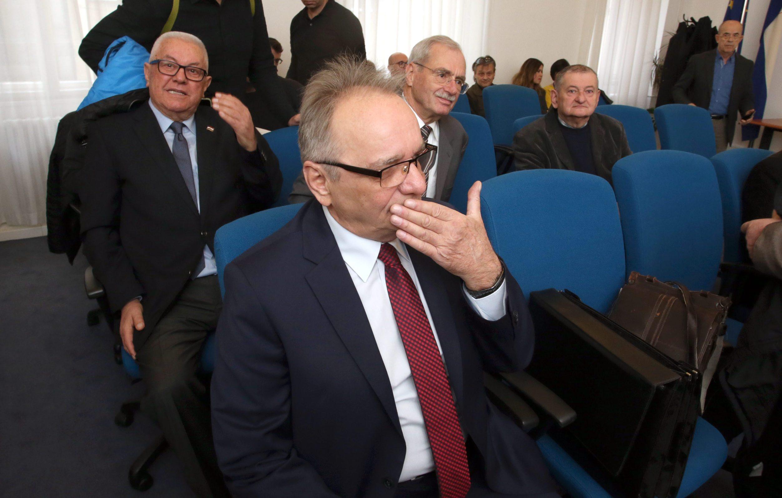 Svjedoci na suđenju danas su bili Luka Bebić, Andrija Hebrang i Krunislav Olujić (u drugom redu iza Glavaša)