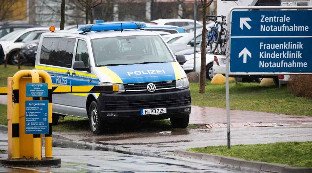 Policija ispred Medicinskog fakulteta u Hannoveru