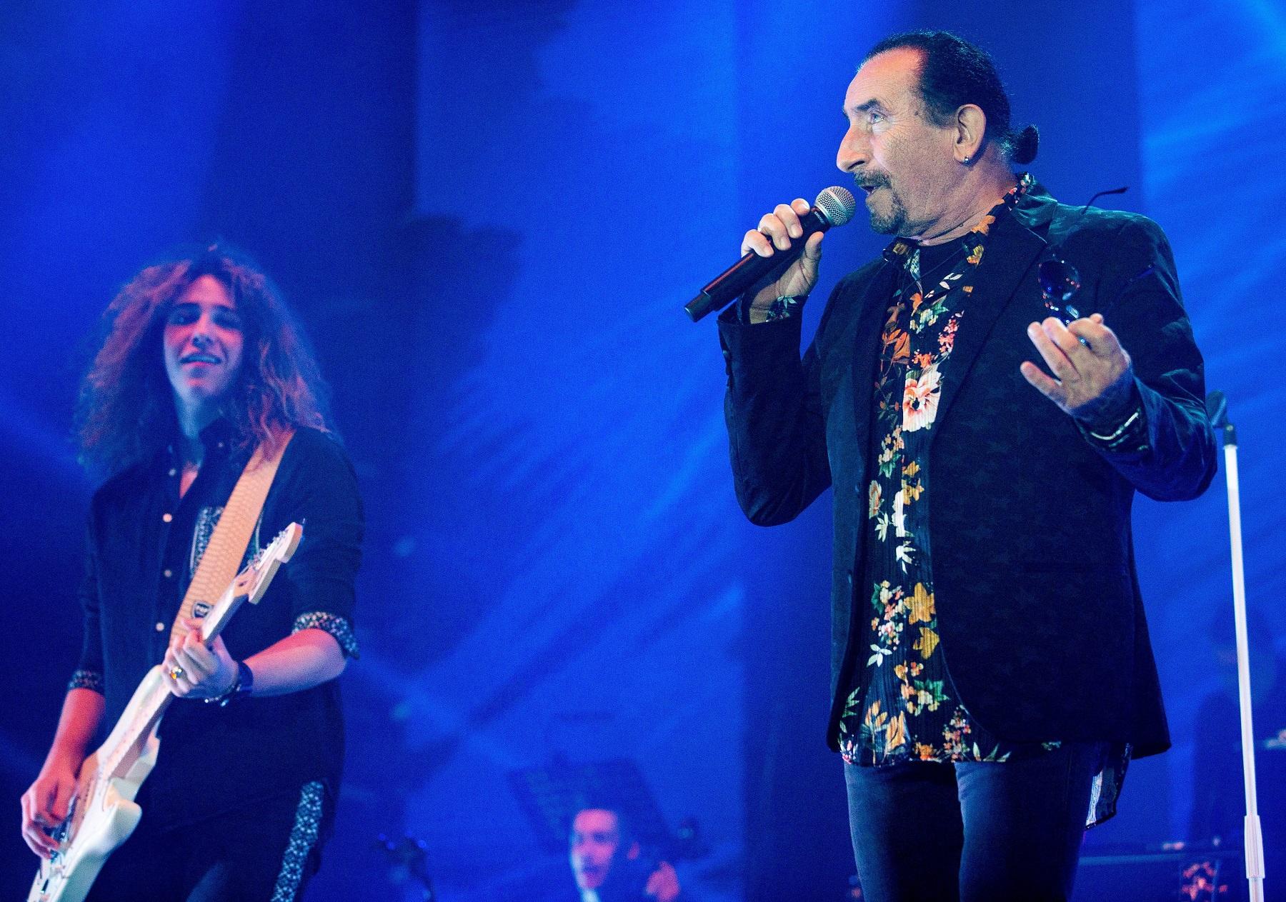 Split, 211219.  Spaladium Arena. Zeljko Bebek odrzao koncert  pred punom dvoranom splitske Arene.  Foto: Sasa Buric / CROPIX
