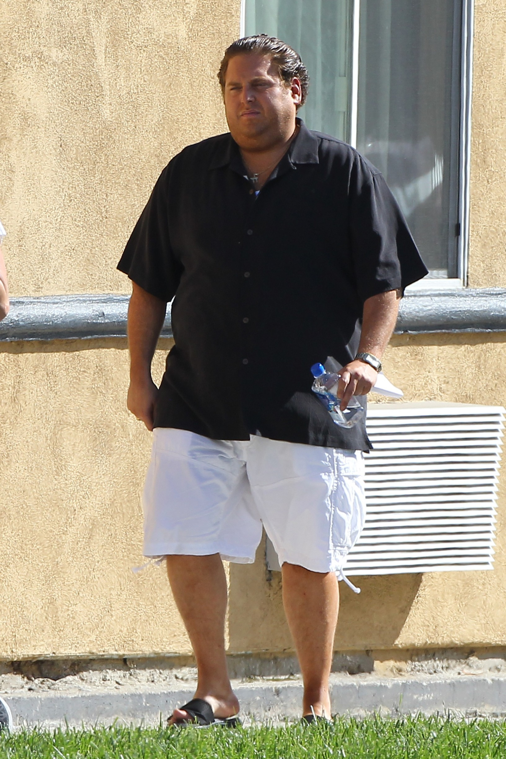 136422, Jonah Hill seen filming scenes for his upcoming movie 'Arms and the Dudes' in Burbank. Burbank, California - Wednesday April 29, 2015., Image: 240526366, License: Rights-managed, Restrictions: , Model Release: no, Credit line: Sam Sharma, PacificCoastNews / Pacific coast news / Profimedia