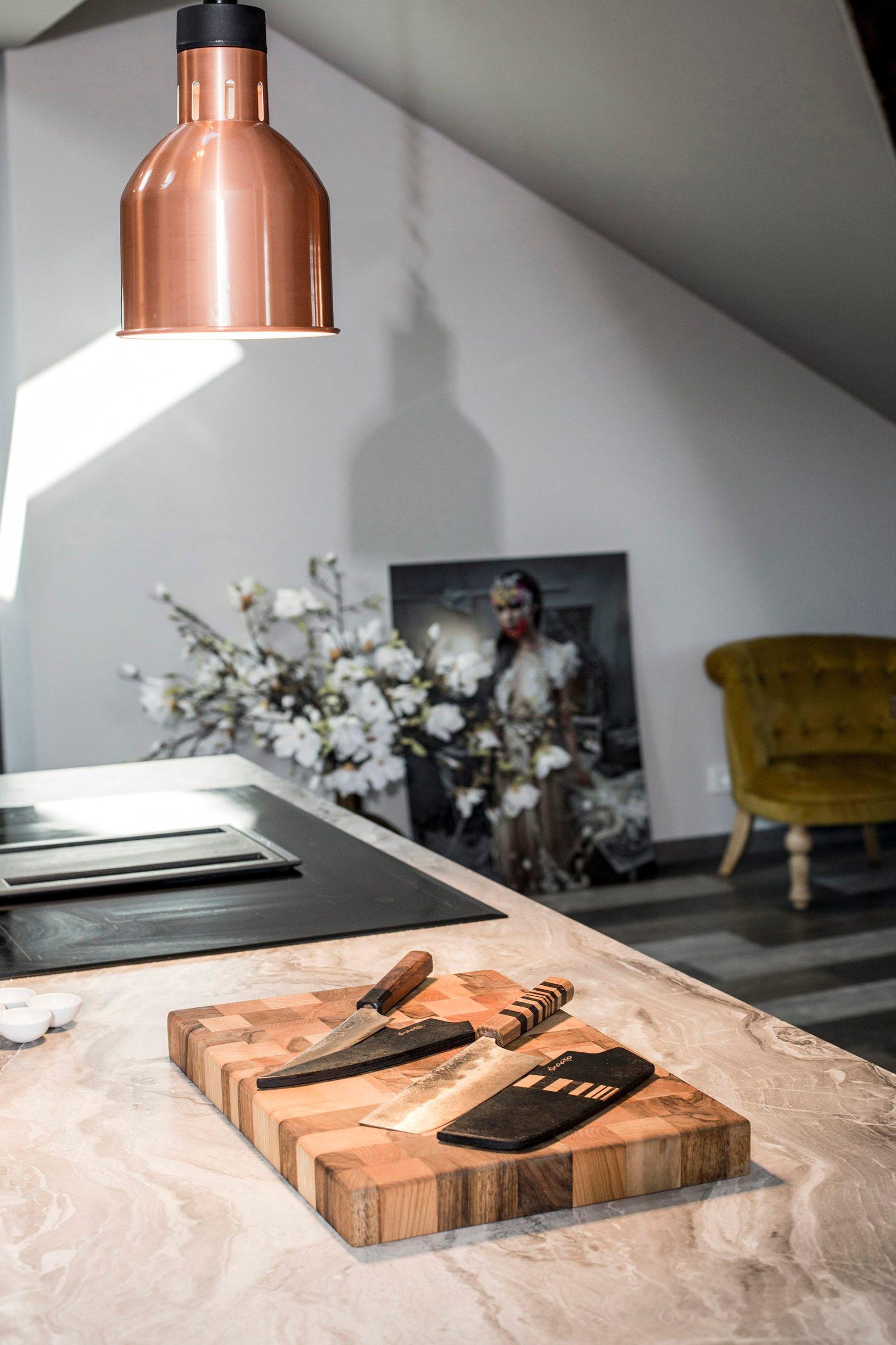 Zagreb, 300120. Unutar obiteljske kuce u kojoj zivi s obitelji Lana Klingor Mihic uredila je potkrovlje za radni prostor za kuharske radionice i razne promocije. Foto: Berislava Picek/ CROPIX