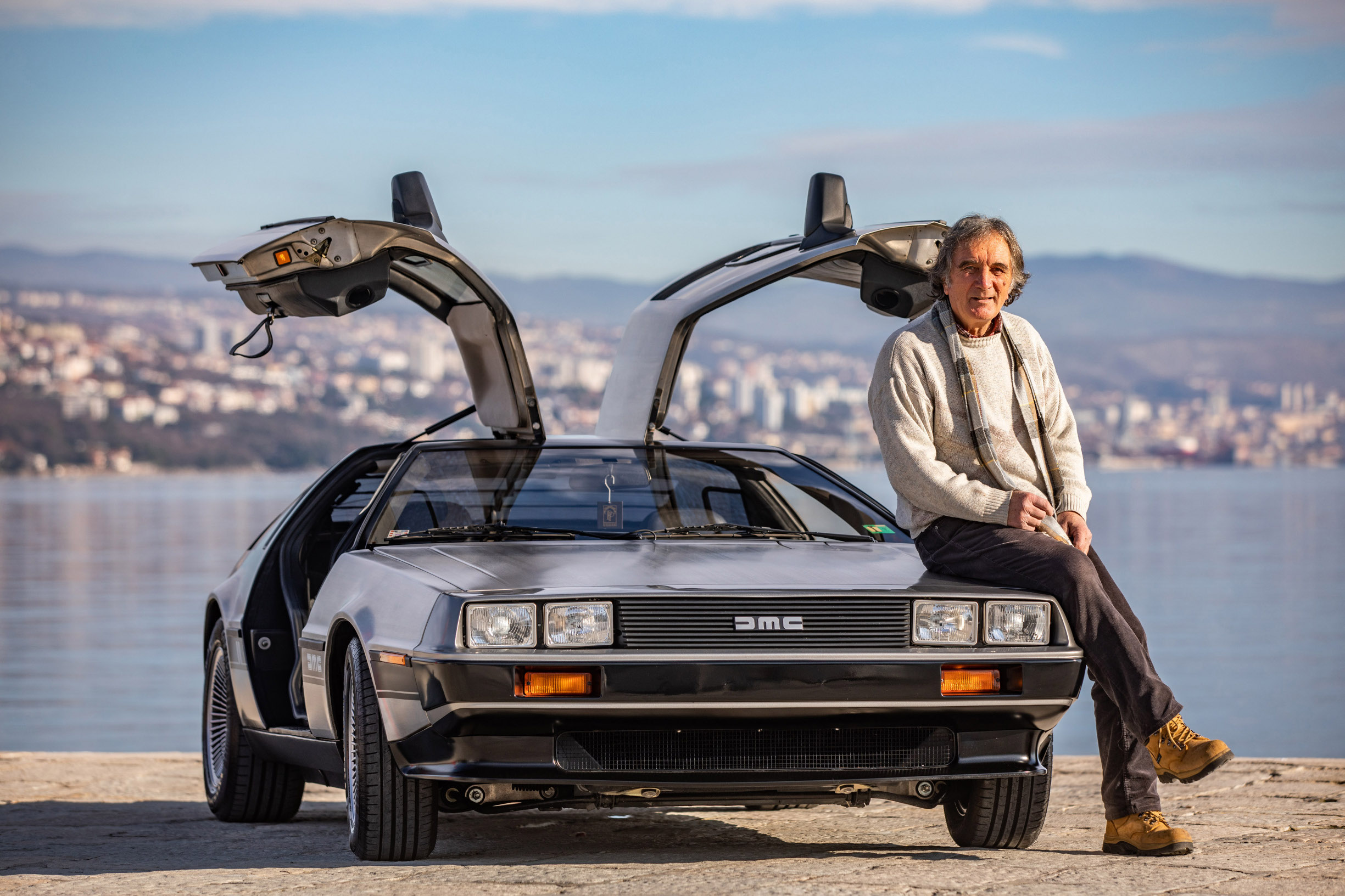 Rijeka, 070120 Reportaza o jedinom primjerku auta DeLorean u Hrvatskoj. Na fotografiji: Leo Spanjol, vlasnik vozila. Foto: Matija Djanjesic / CROPIX