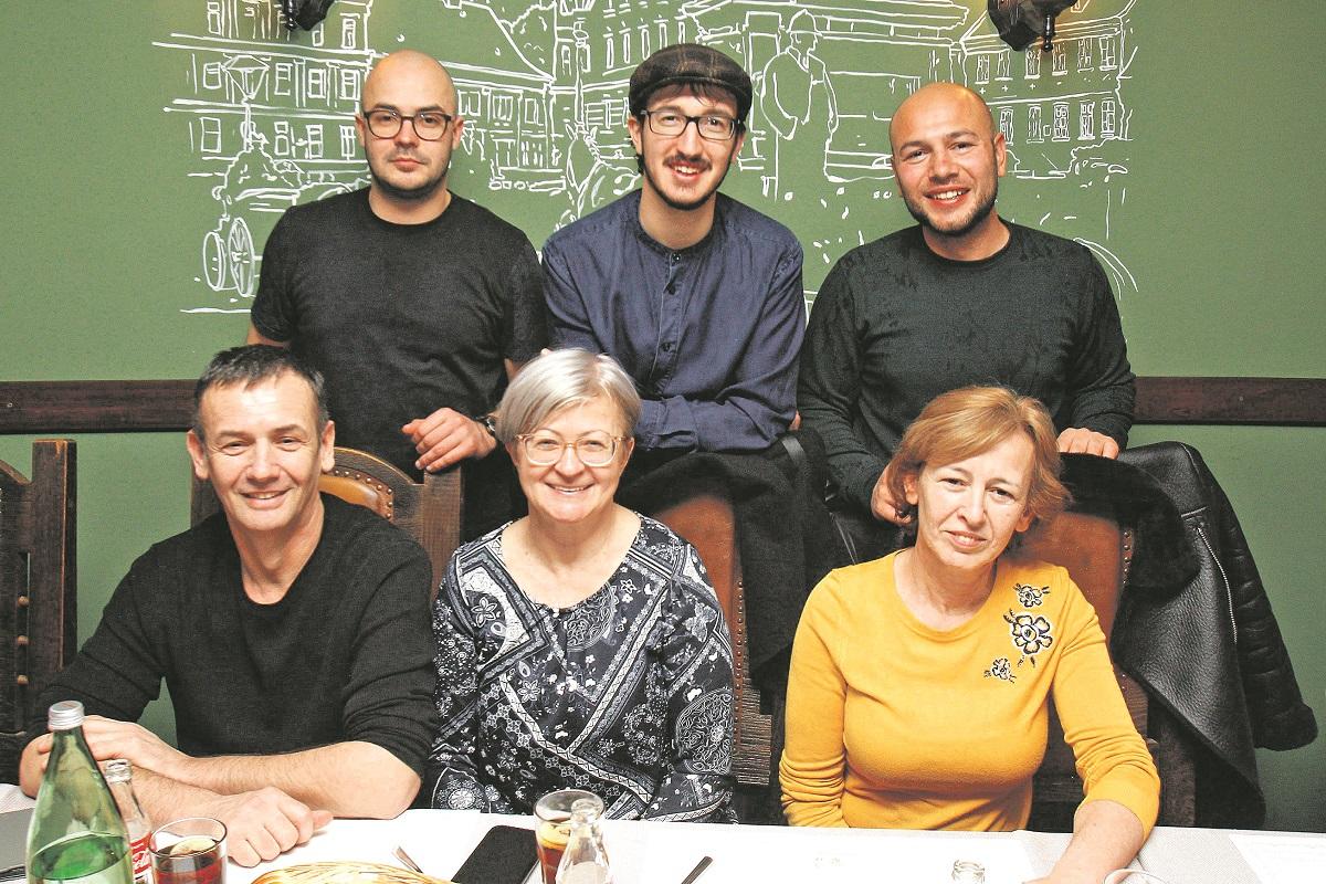 Marin Ćemeraš, Marko Barašin, Vinko Ćemeraš, Robert Ćemeraš, Danijela Ćemeraš, Anita Barišin.