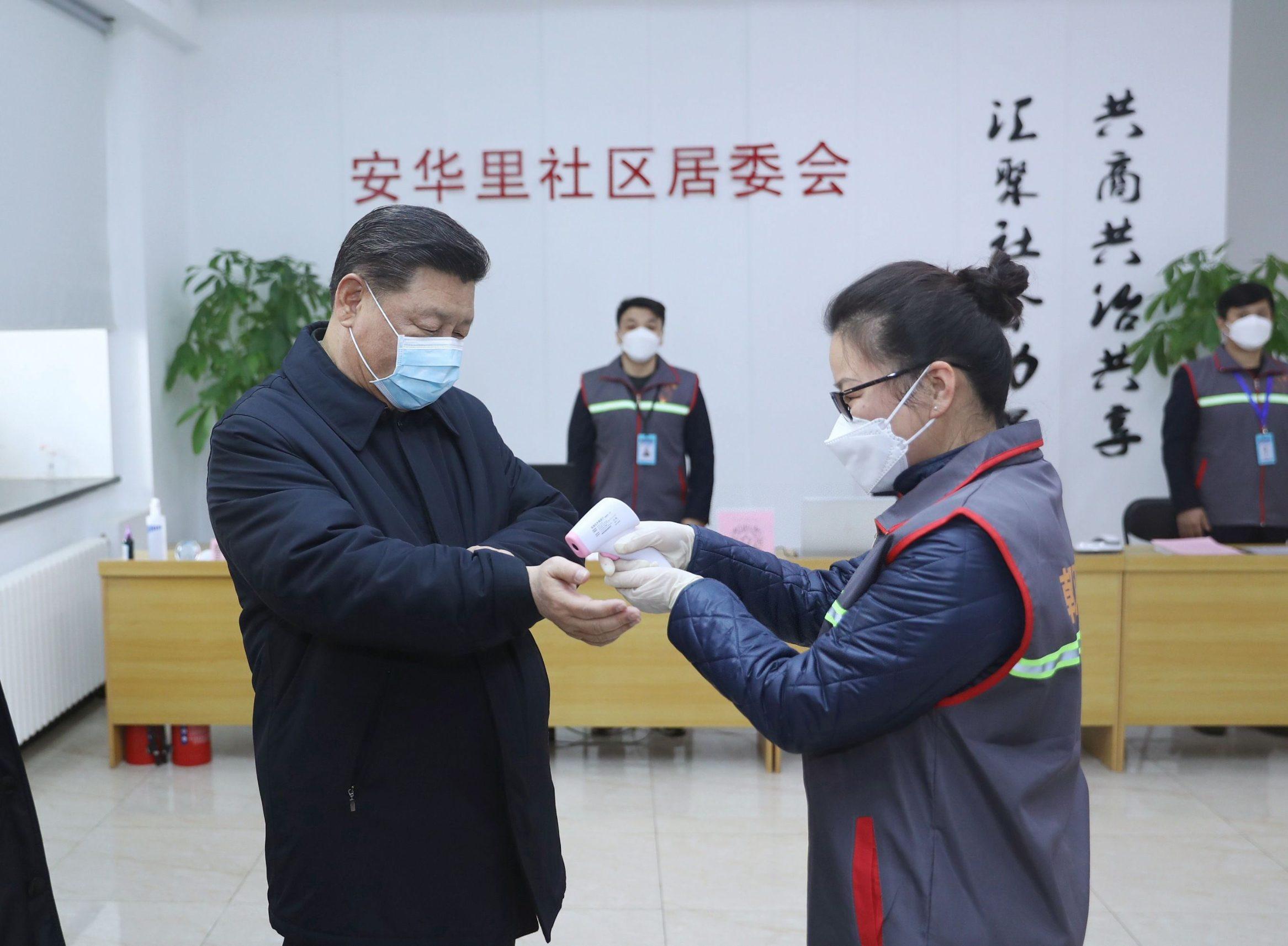 Predsjednik Kine Xi Jinping tijekom testiranja na koronavirus