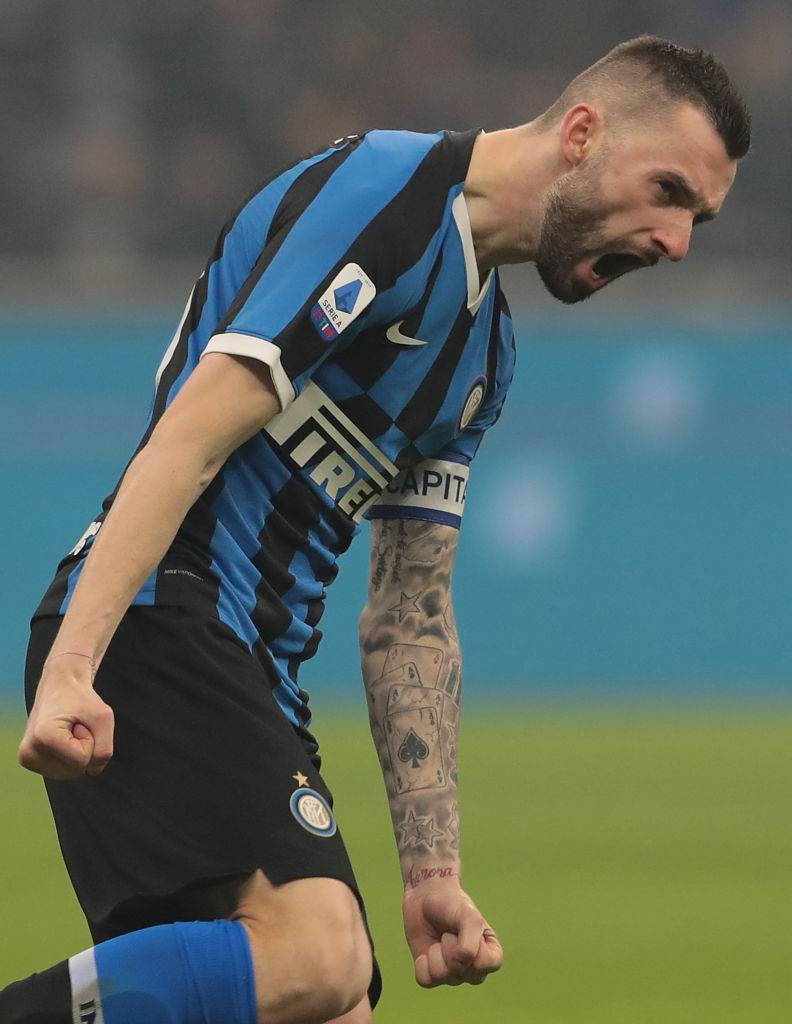 MILAN, ITALY - FEBRUARY 09:  Marcelo Brozovic of FC Internazionale celebrates his goal during the Serie A match between FC Internazionale and AC Milan at Stadio Giuseppe Meazza on February 9, 2020 in Milan, Italy.  (Photo by Emilio Andreoli/Getty Images)