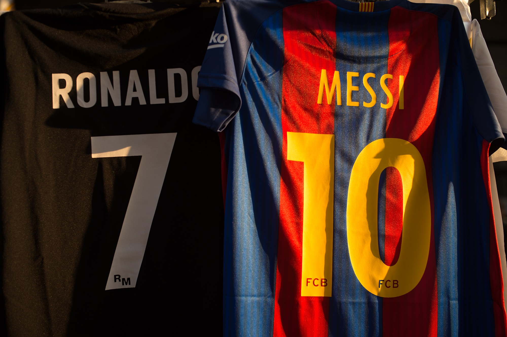 Messi i Ronaldo dresovi
