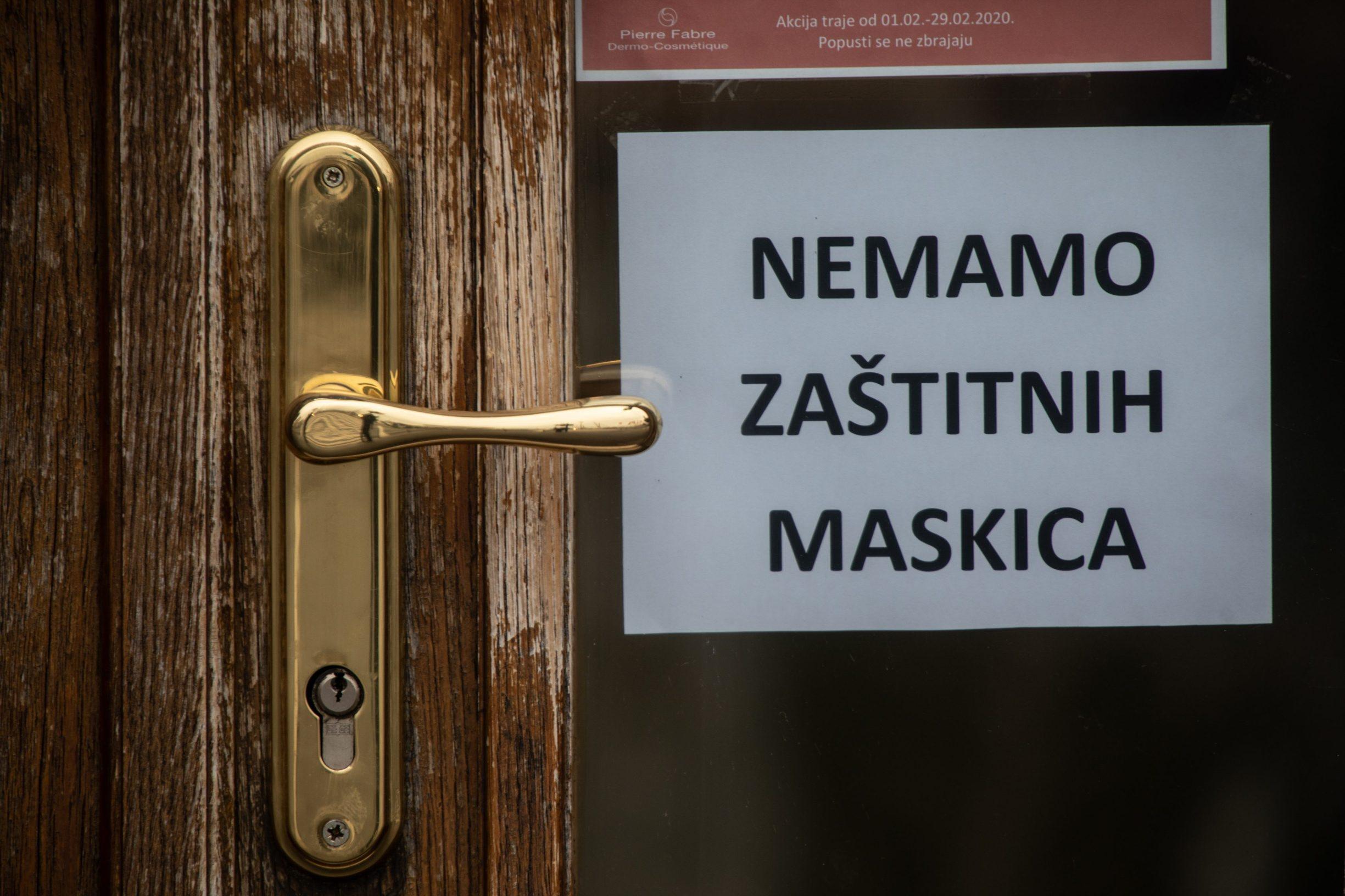 Zbog straha od koronavirusa zaštitne maske za lice su rasprodane