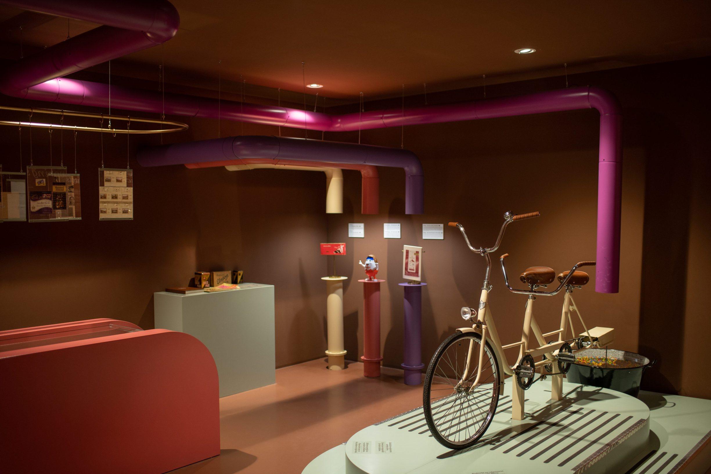 Zagreb, 270120 Muzej cokolade u Varsavskoj ulici. U sklopu muzeja nalazi se i radionica temperiranja cokolade i proizvodnje pralina za posjetitelje. Foto: Marko Miscevic / Cropix