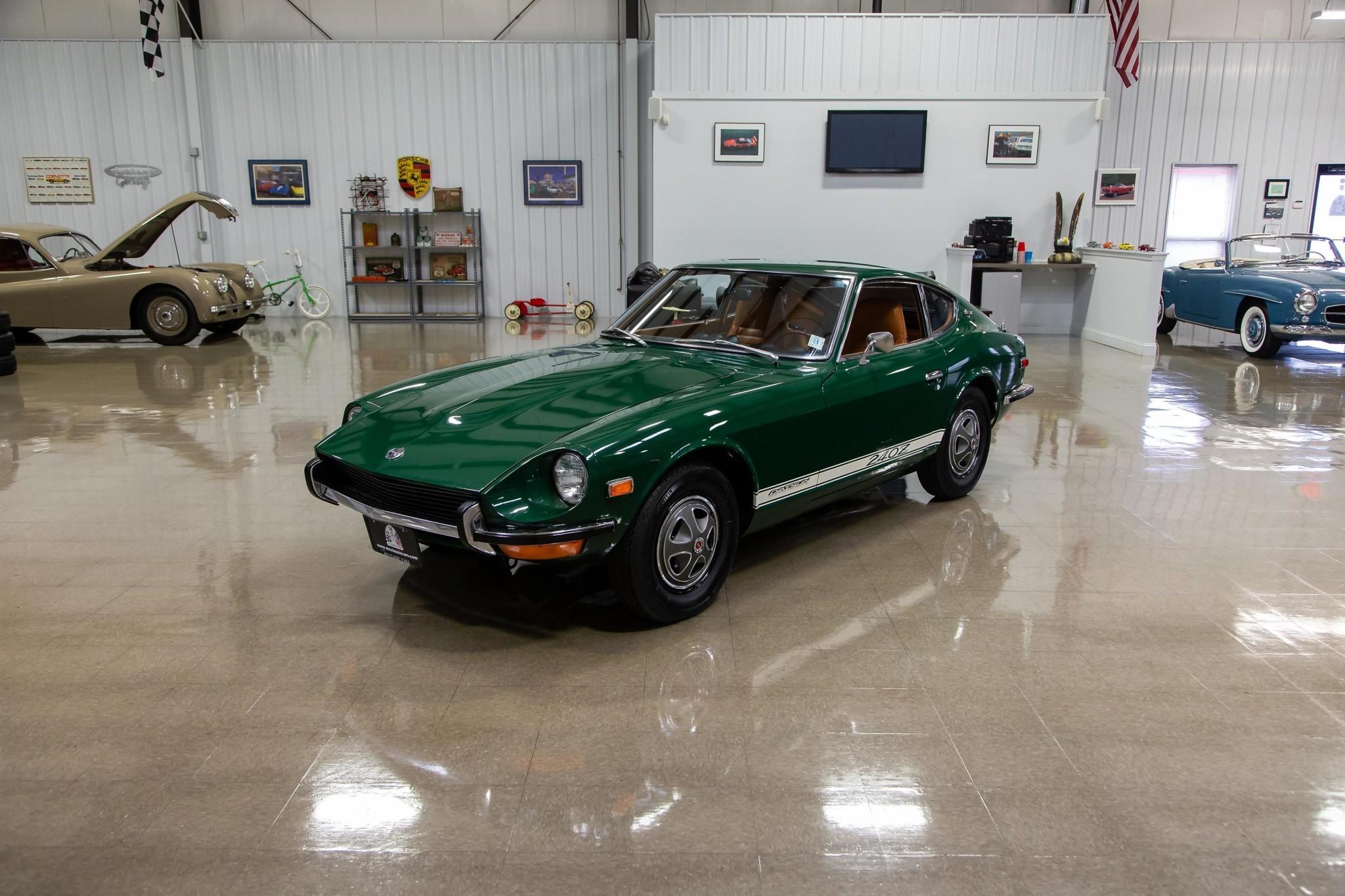 low-mileage-1971-datsun-240z-looks-all-original-sold-for-bentley-mulsanne-money_17