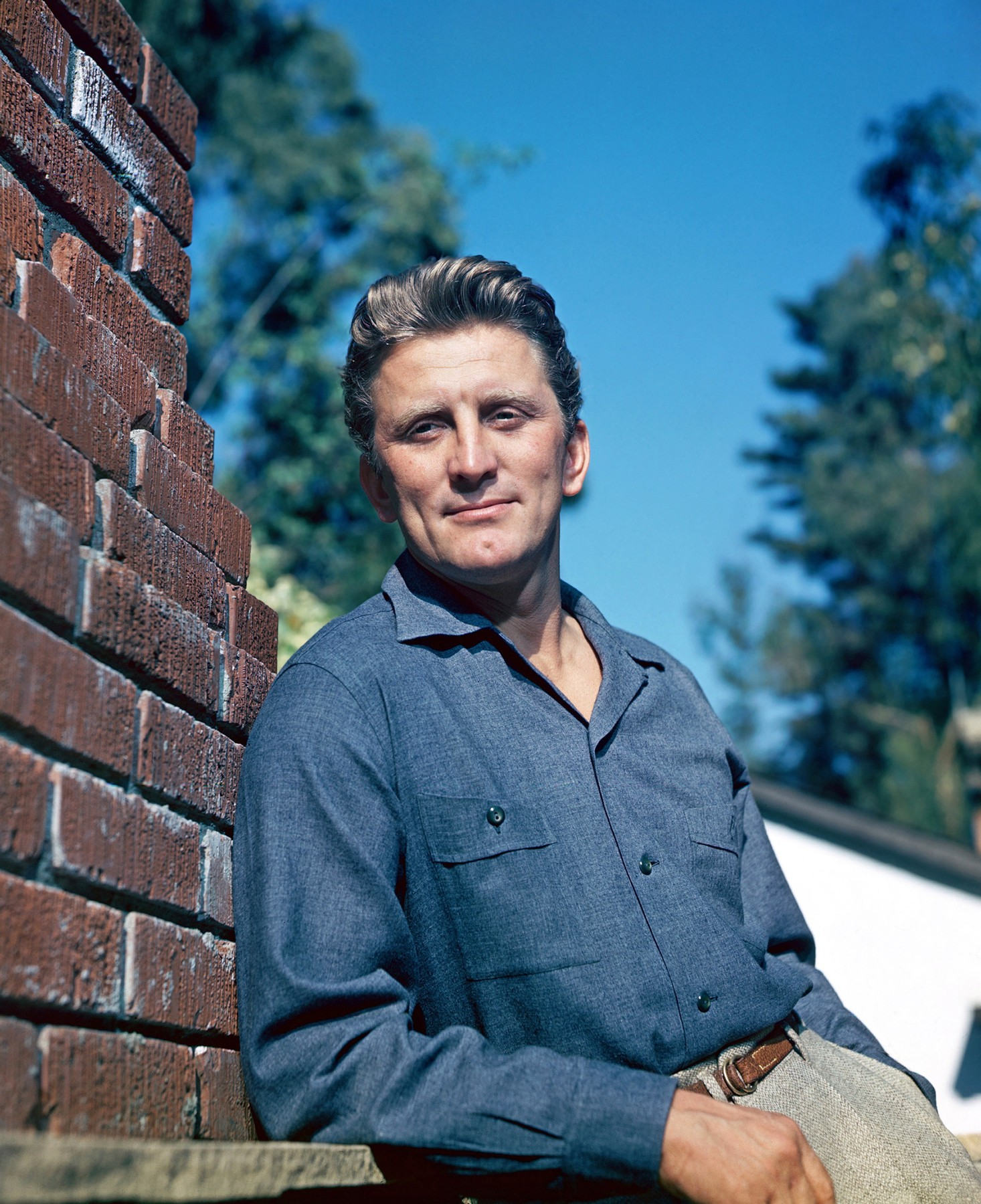 Kirk Douglas, circa 1947, Image: 175088008, License: Rights-managed, Restrictions: For Editorial Use Only -, Model Release: no, Credit line: The Hollywood Archive / Hollywood Archive / Profimedia