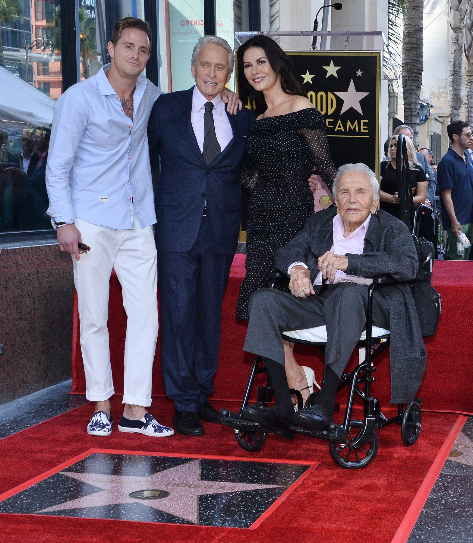 Actor Michael Douglas is joined by his son Cameron, wife, actress Catherine Zeta-Jones and father, actor Kirk Douglas (L-R) during an unveiling ceremony honoring him with the 2,648th star on the Hollywood Walk of Fame in Los Angeles on November 6, 2018. Photo by /UPI, Image: 394416663, License: Rights-managed, Restrictions: , Model Release: no, Credit line: JIM RUYMEN / UPI / Profimedia