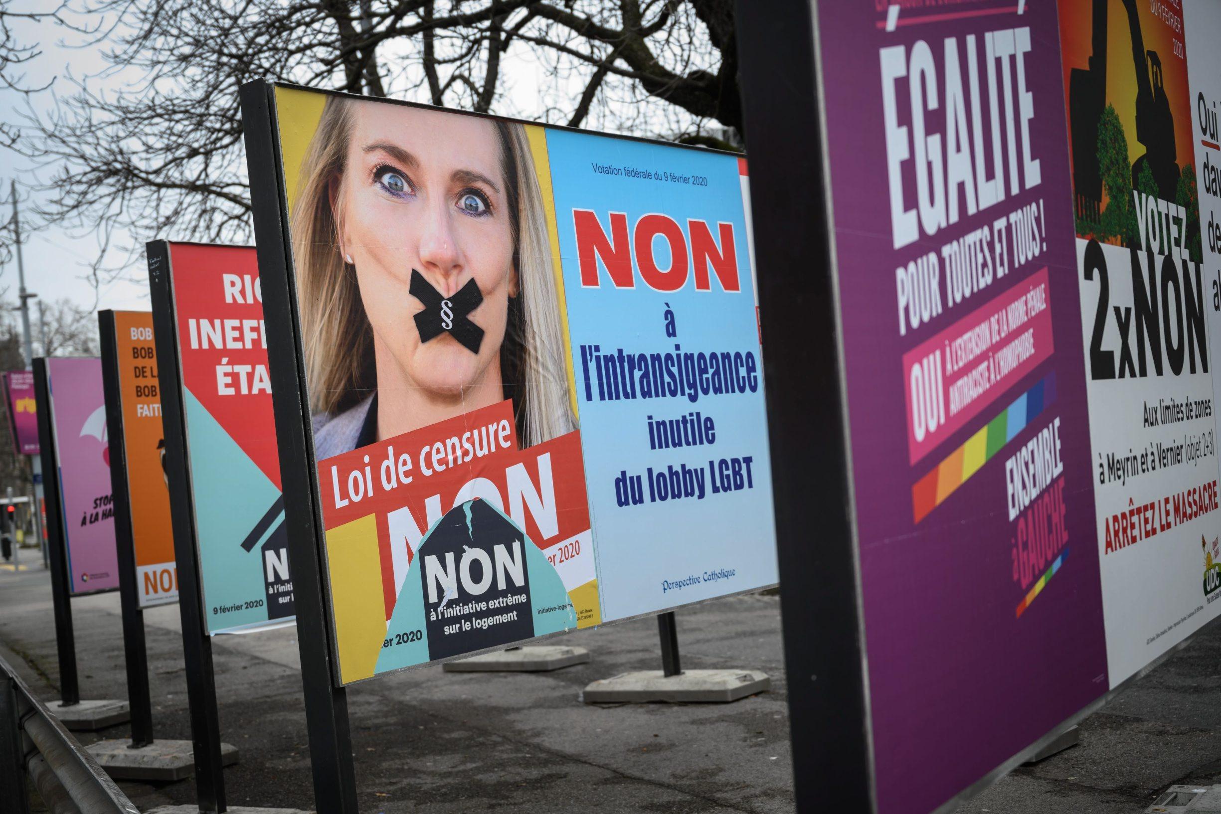 Plakati protiv zakona na ulicama Ženeve
