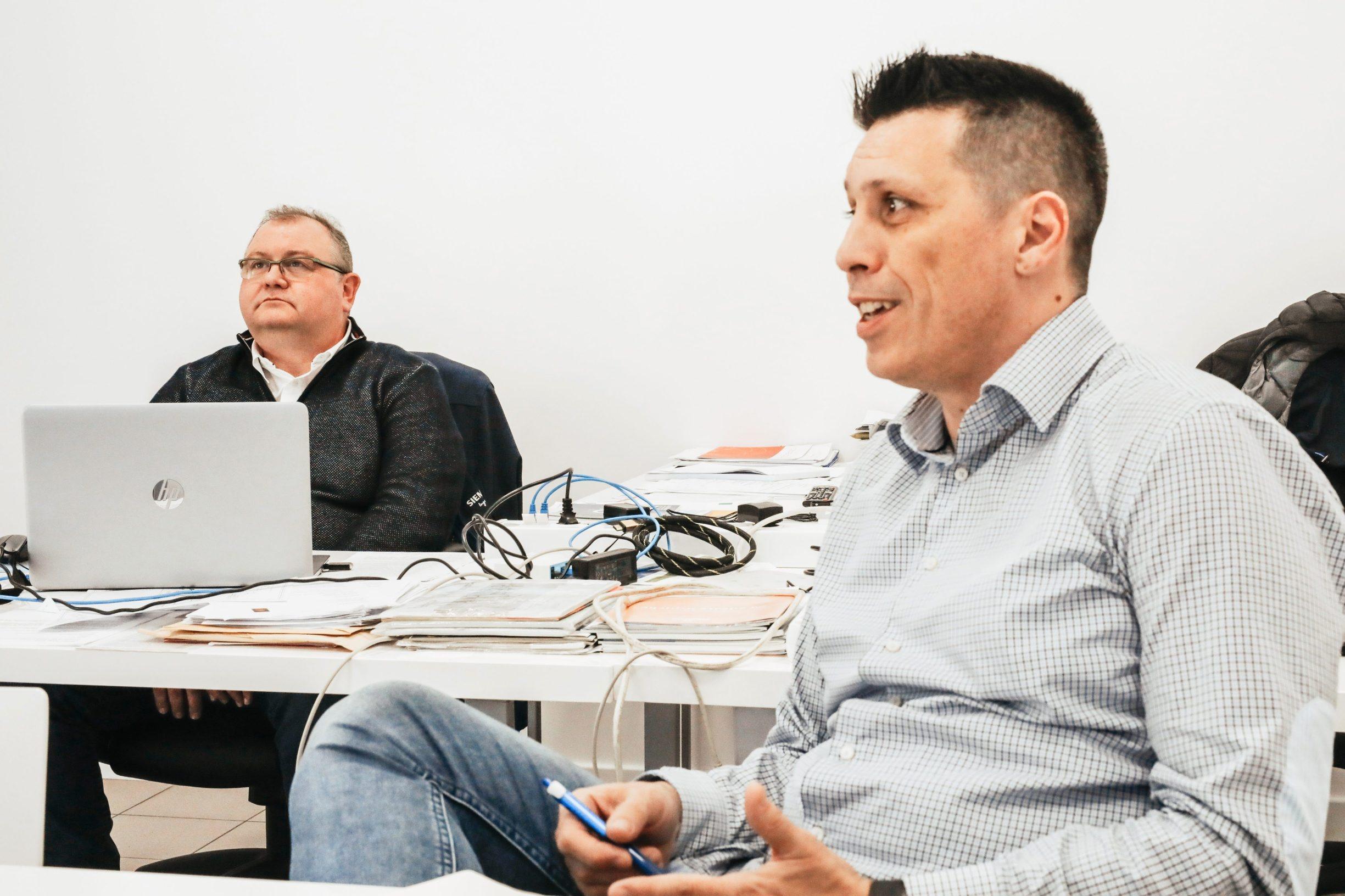 Labin, 250220 Reportaza o gradu Labinu u ciklusu I to je Hrvatska.  Na fotografiji Vladimir Persic, jedan od osnivaca Novateca i Dino Bursic, direktor Novateca Foto: Danijel Soldo / CROPIX