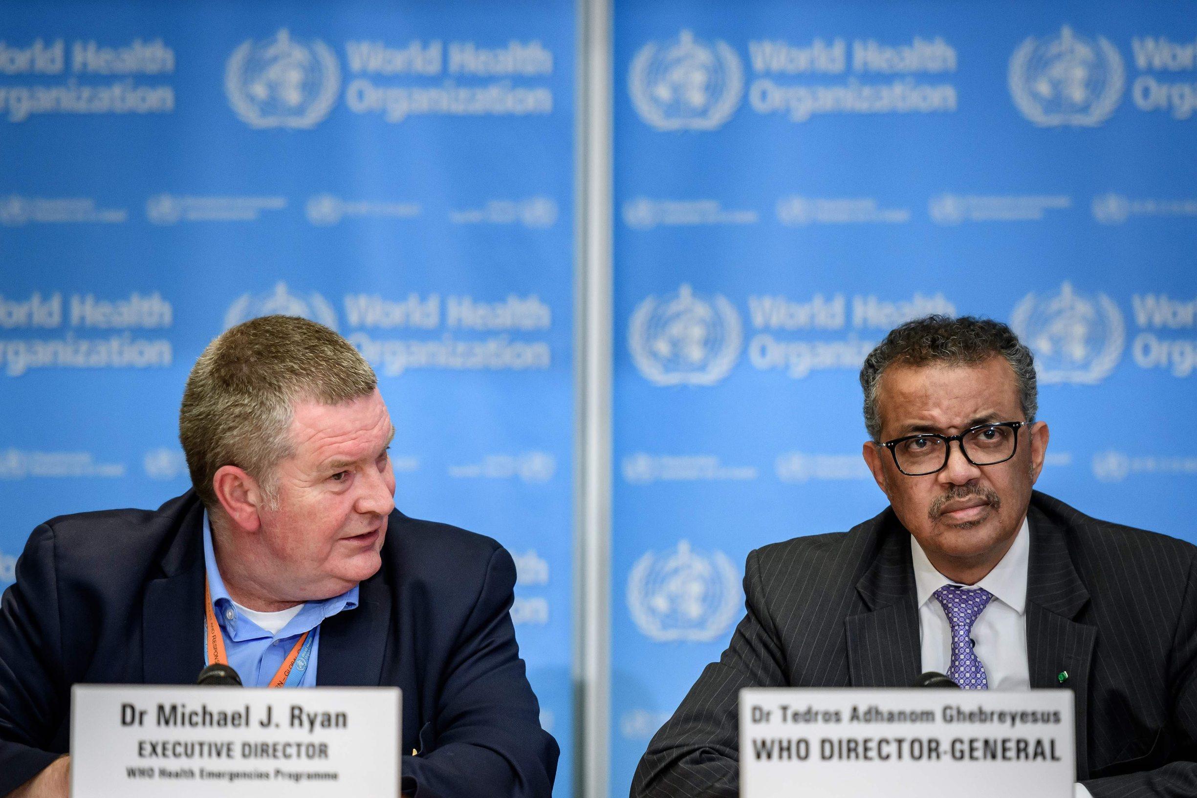 Michael Ryan, šef odjela za hitne situacije u WHO-u (lijevo) i Tedros Adhanom Ghebreyesus, čelnik WHO-a (desno)
