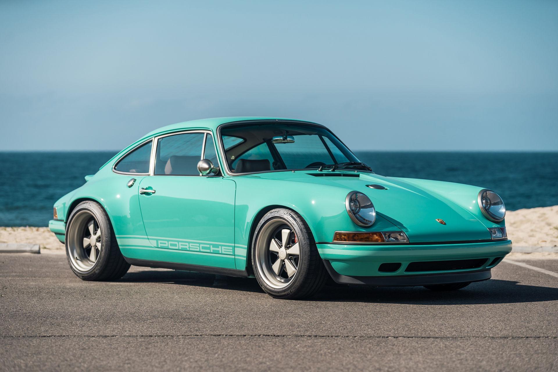 Porsche-911-Malibu-Singer-1