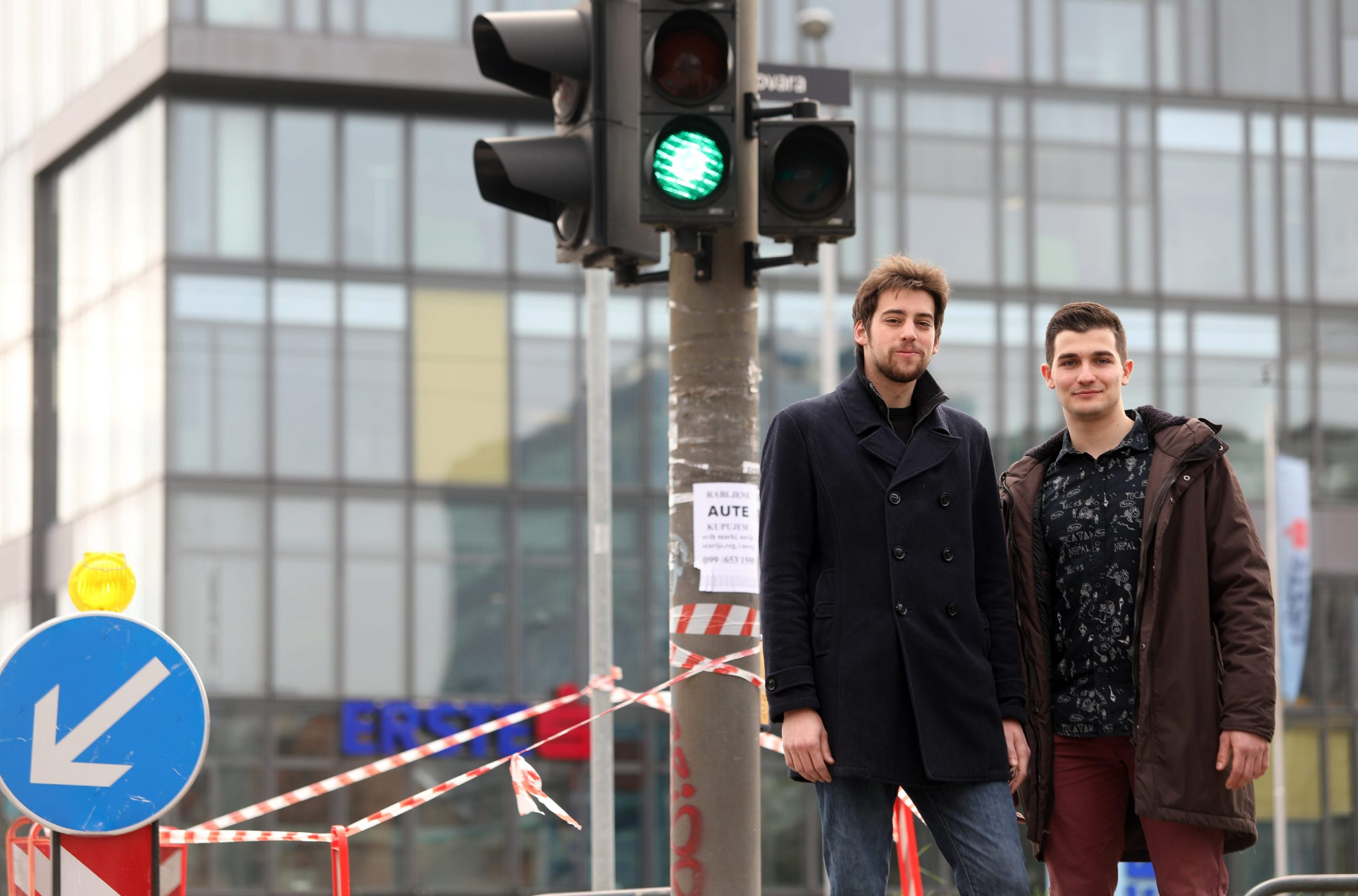 Zagreb, 090320. Fer, Unska. Digi Award, dvojac iz tima koji je napravio aplikaciju za pametne semafore Smart Traffic. Na fotografiji: Anton Kontic i Luka Koscak. Foto: Ranko Suvar / CROPIX