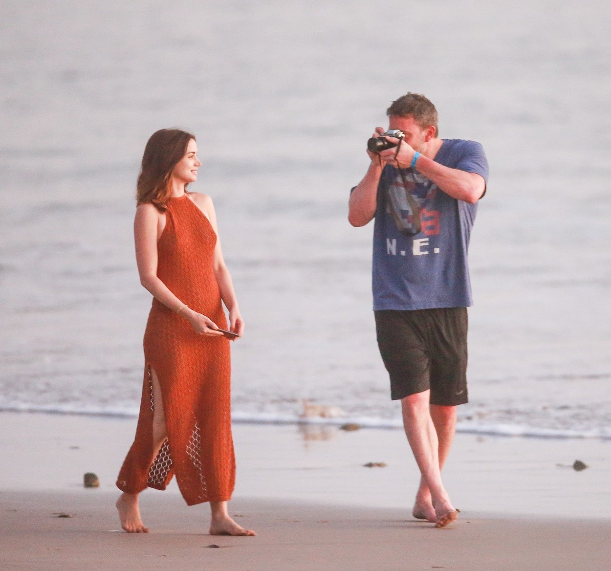 Costa Rica, COSTA RICA  - *PREMIUM-EXCLUSIVE*  - *Strict Web Embargo until 5 PM PT on March 12, 2020* Ben Affleck and new girlfriend, Ana De Armas enjoy a very romantic stroll on the beach in Costa Rica. Ben appeared clearly smitten with his Deep Water co-star snapping photos of her, cuddling and leaning in for a sweet kiss as they enjoyed a stroll on the beautiful beach. The 31 year old Cuban stunner went topless and wore a cheeky bikini bottom over a knitted chestnut halter dress. Ana could be seen snapping selfies while a smiling Ben sipped a Coca Cola and snapped photos of her.  *Shot on March 10, 2020*  BACKGRID USA 11 MARCH 2020, Image: 505574566, License: Rights-managed, Restrictions: RIGHTS: WORLDWIDE EXCEPT IN GERMANY, UNITED KINGDOM, Model Release: no, Credit line: CPR / BACKGRID / Backgrid USA / Profimedia