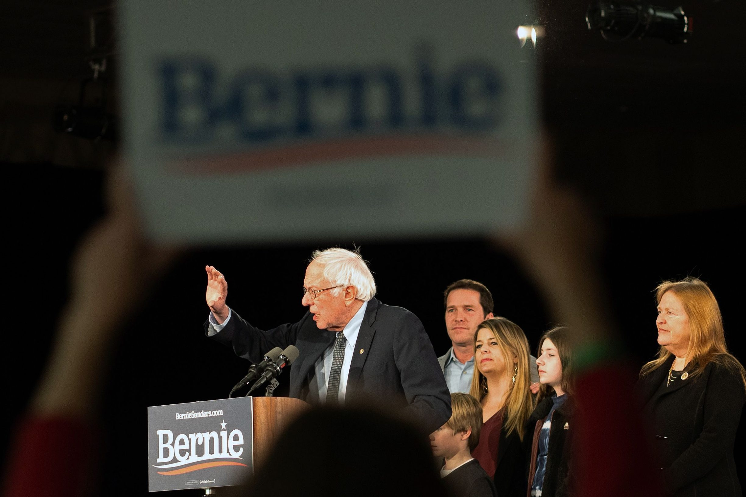 """Jedan od najpoznatijih ekonomskih komentatora u svijetu, Martin Sandbu, tvrdi da američki milijarderi nemaju razloga strahovati od """"socijalističkog"""" kandidata demokrata, jer se Sandersov socijalizam odnosi na Skandinaviju, a ne na Venezuelu"""