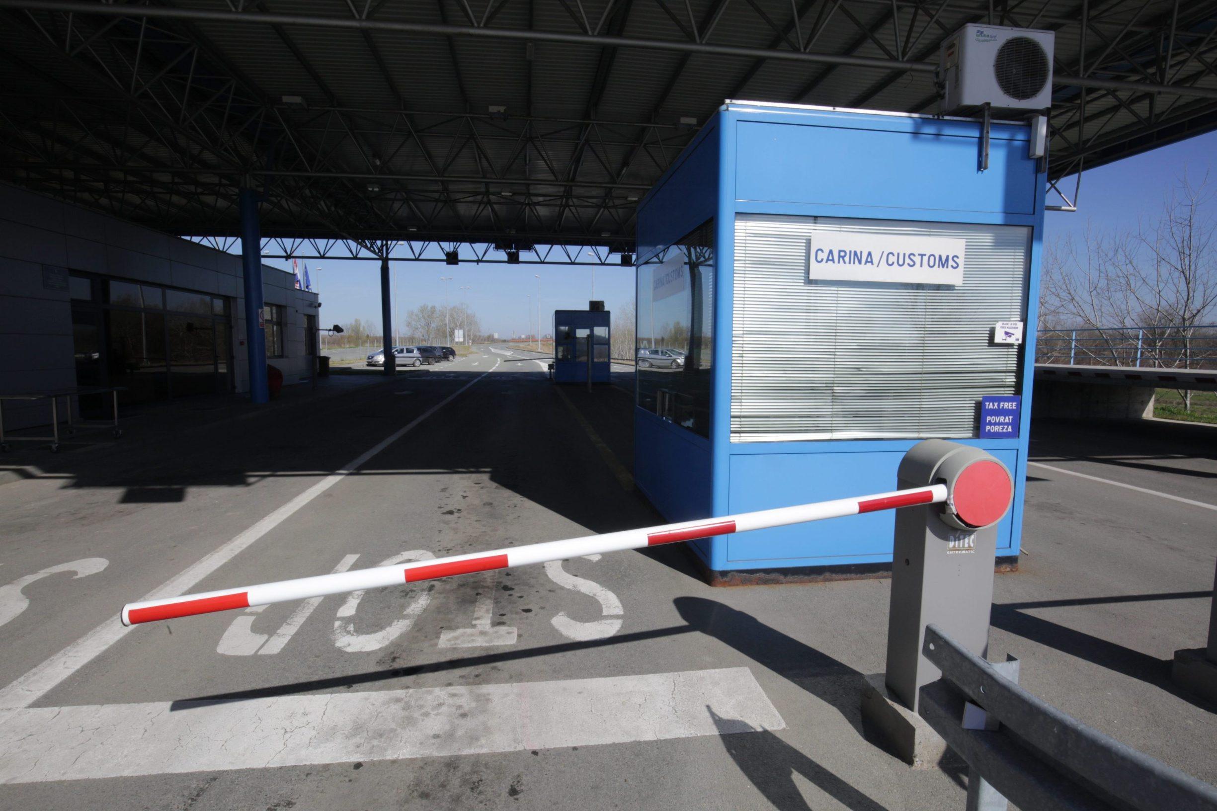 Zbog epidemije koronavirusa zatvoren je, među ostalom, granični prijelaz između Srbije i Hrvatske u Batini