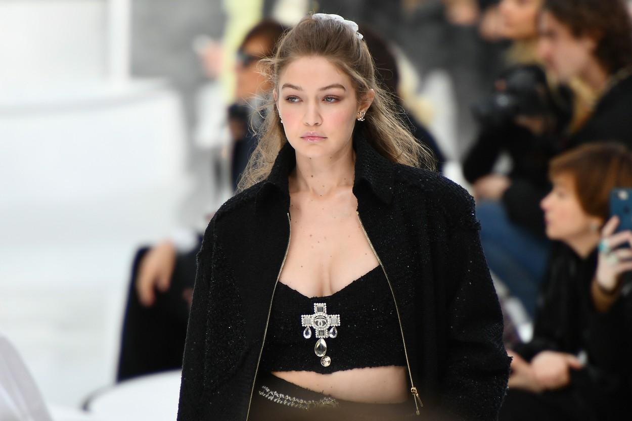 Gigi Hadid na reviji modne kuće Chanel početkom ožujka u Parizu