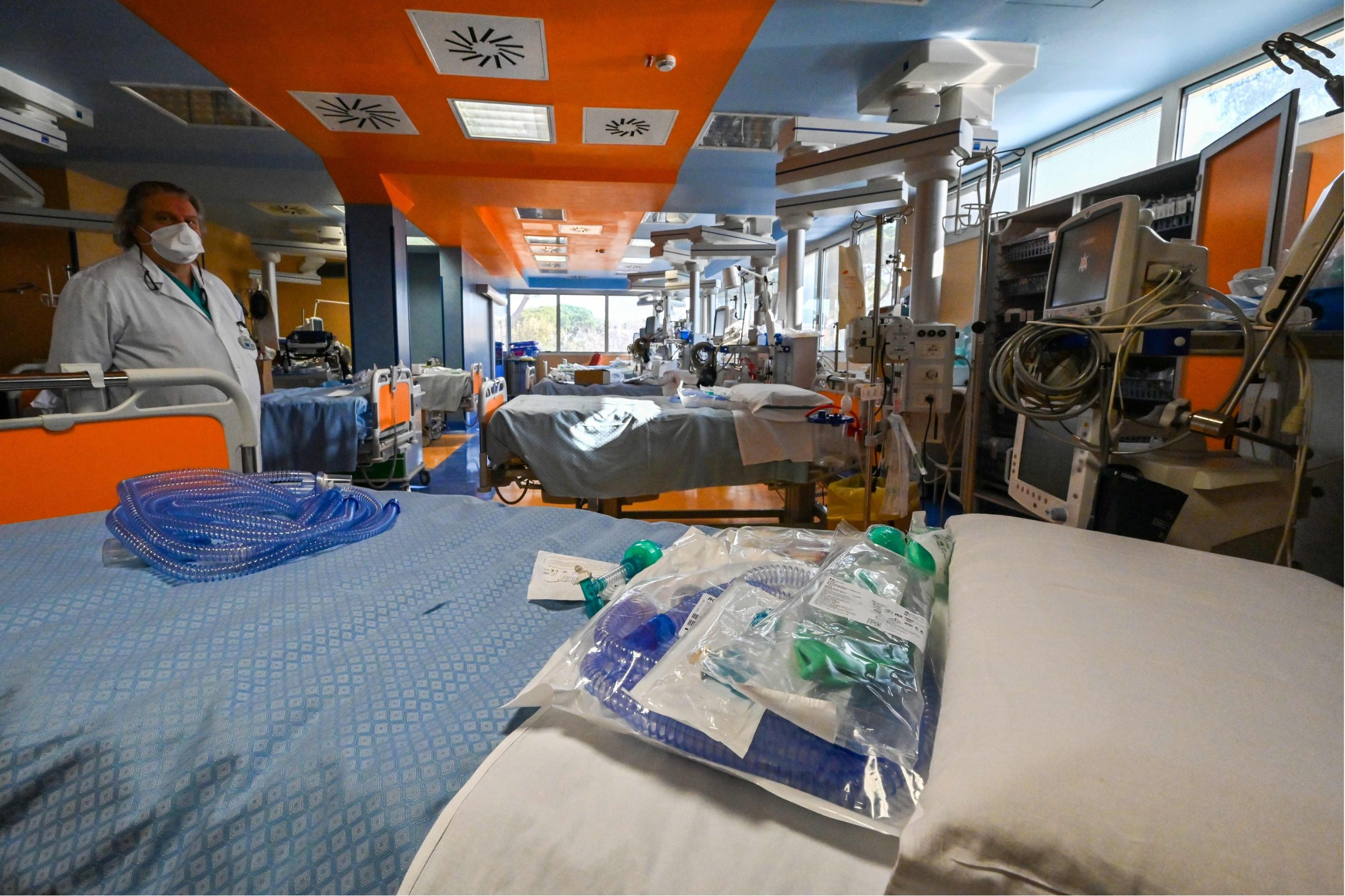 Kreveti u intenzivnoj njezi bolnice nedaleko Rima