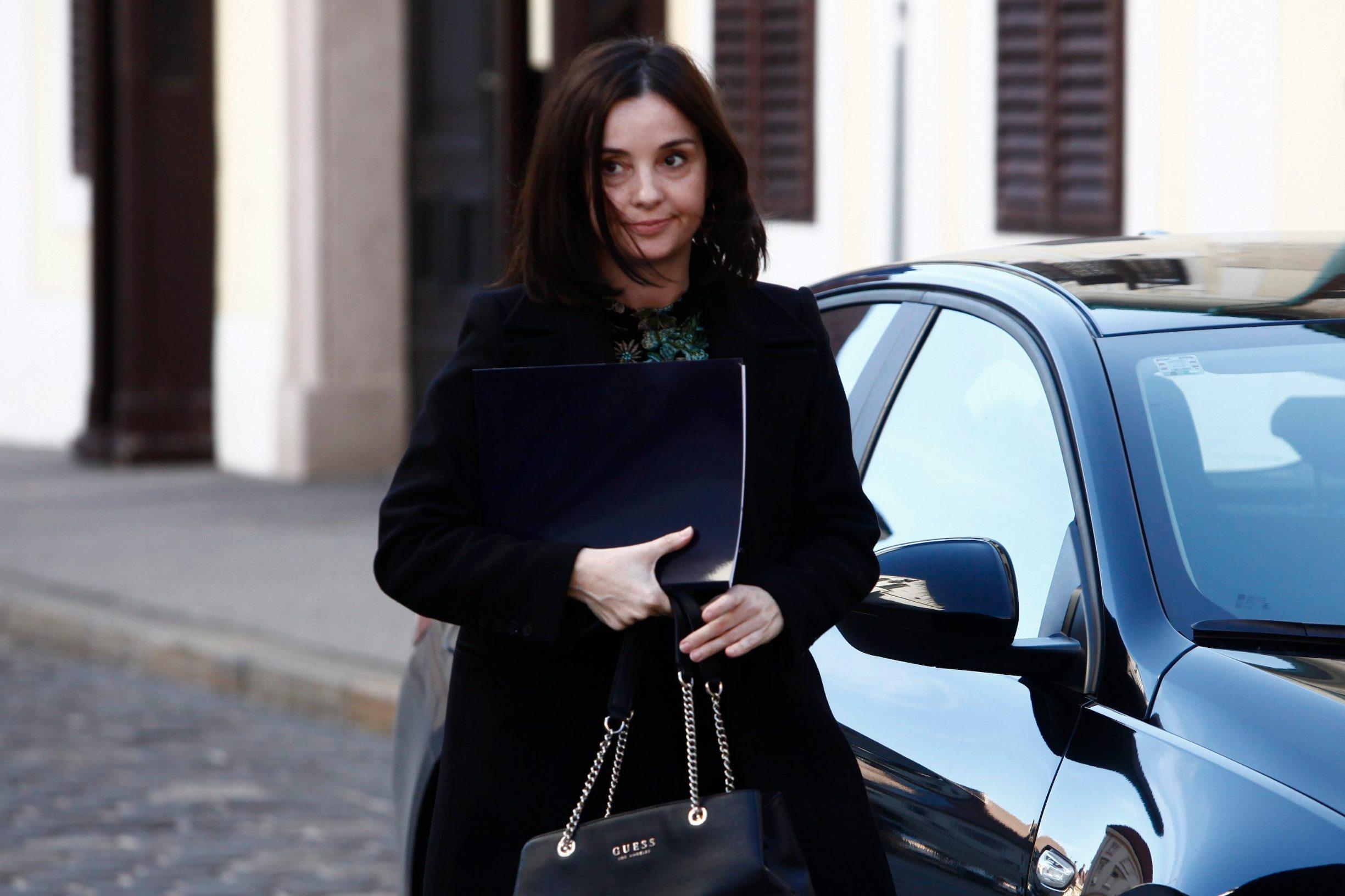 Ministrica poljoprivrede Marija Vučković dolazi na Vladin sastanak u vezi suzbijanja koronavirusa