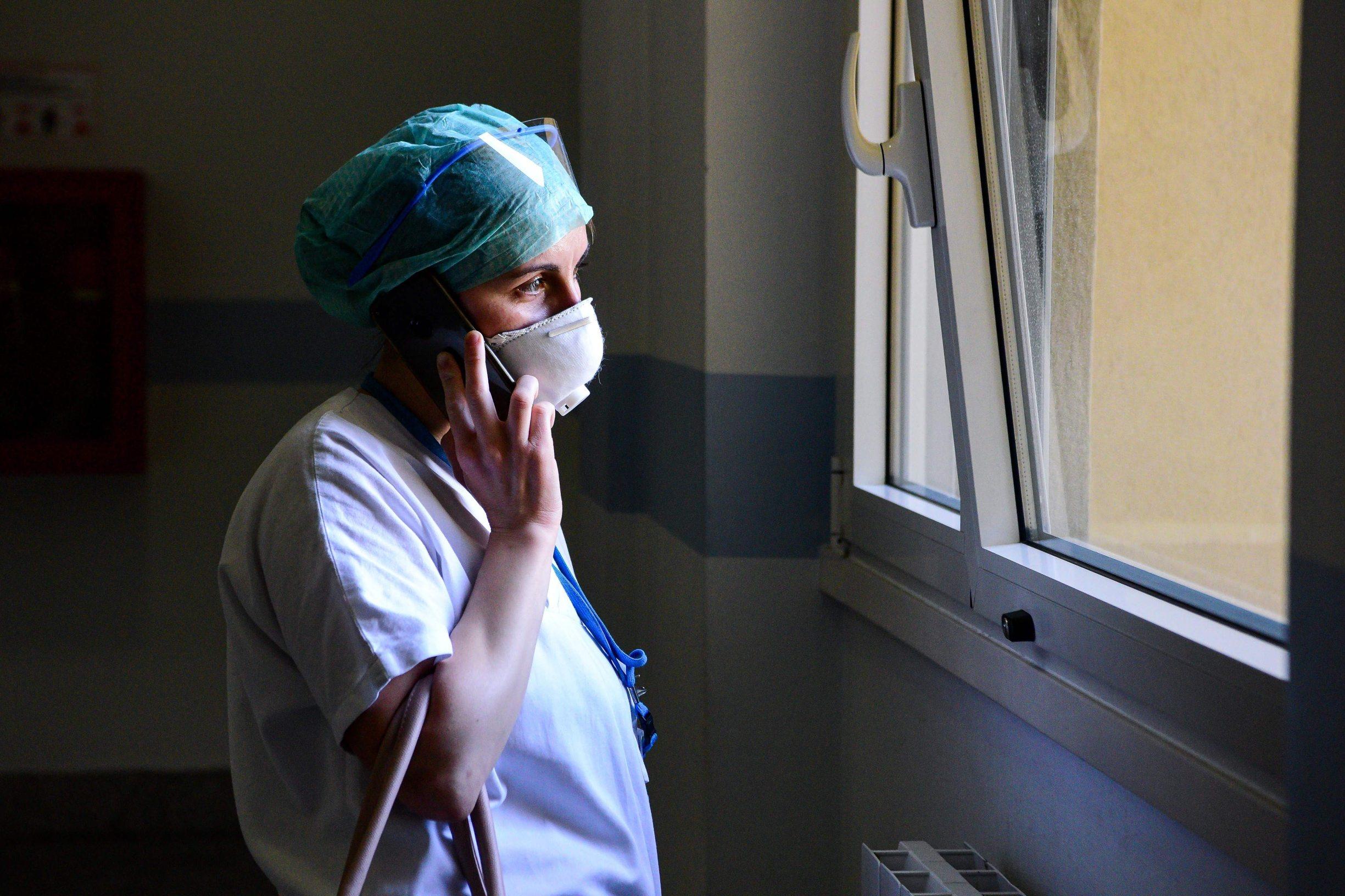 Medicinsko osoblje spada s nogu dok se neodgovorni pojedinci ponašaju kao da se ništa ne događa