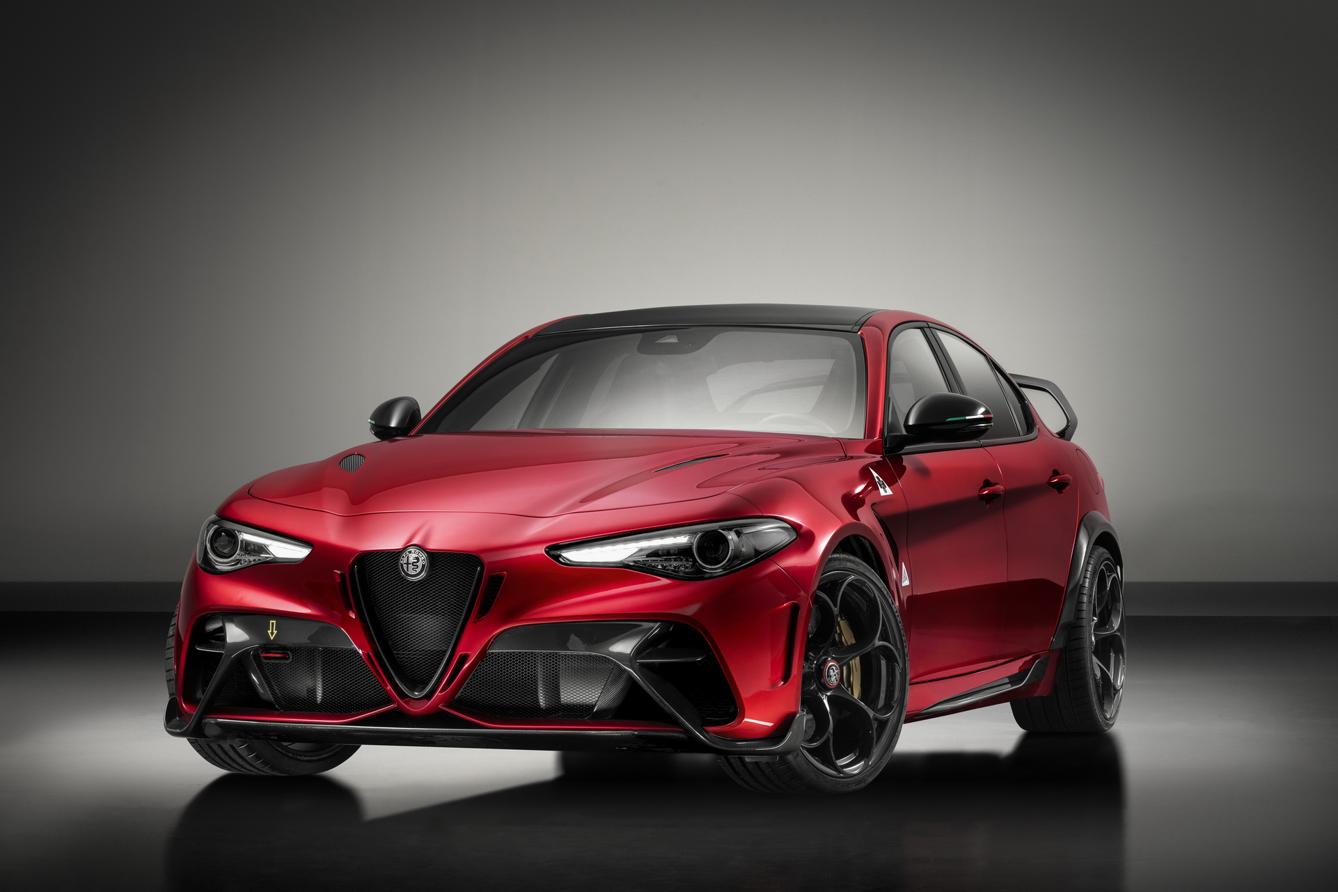 Alfa-Romeo-Giulia-GTA-GTAm-1-1