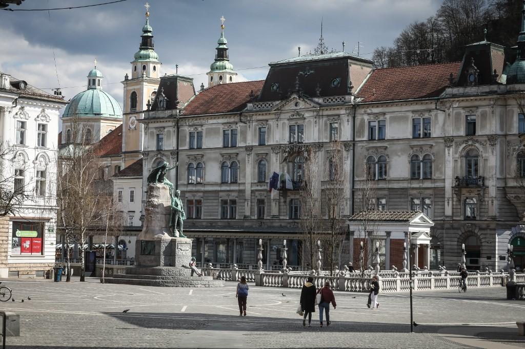 LJUBLJANA, SLOVENIA - MARCH 18: A square is seen empty following coronavirus (COVID-19) outbreak in Ljubljana, Slovenia on March 18, 2020. Case number in Slovenia rose to 286. Ales Beno / Anadolu Agency
