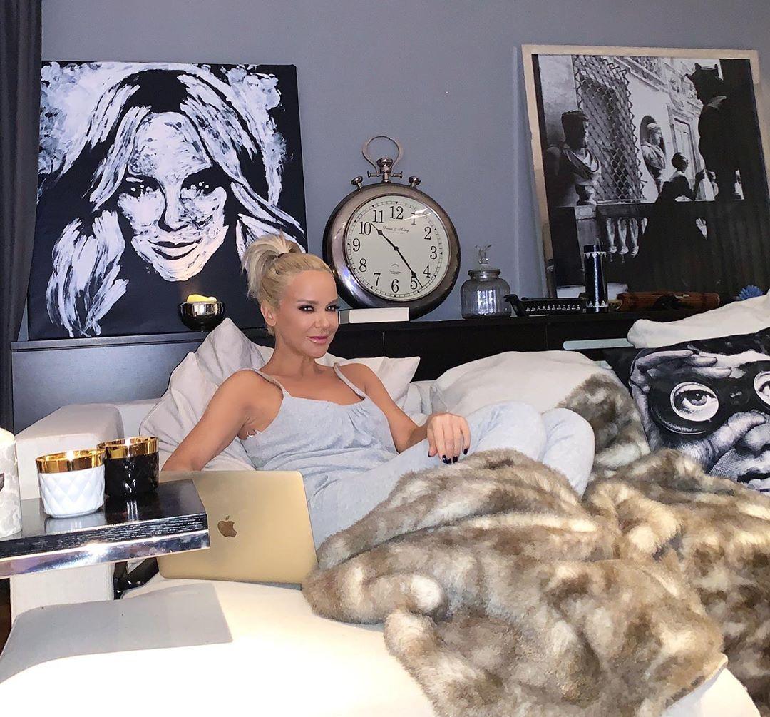 Maja Šuput u svom krevetu