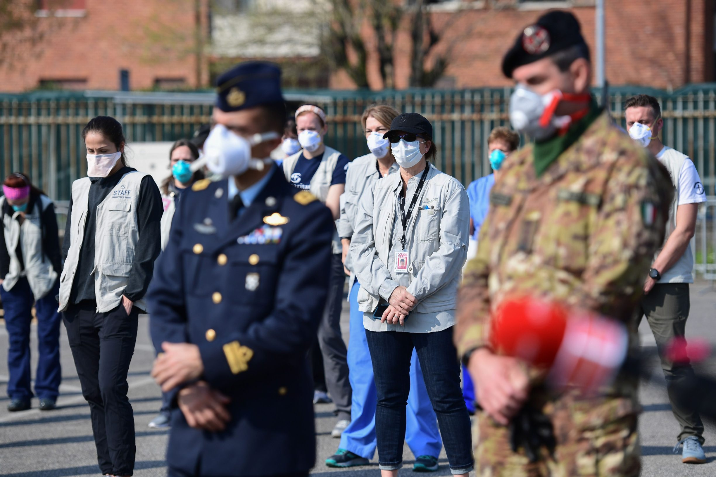 Vojska, medicinsko osoblje i volonteri