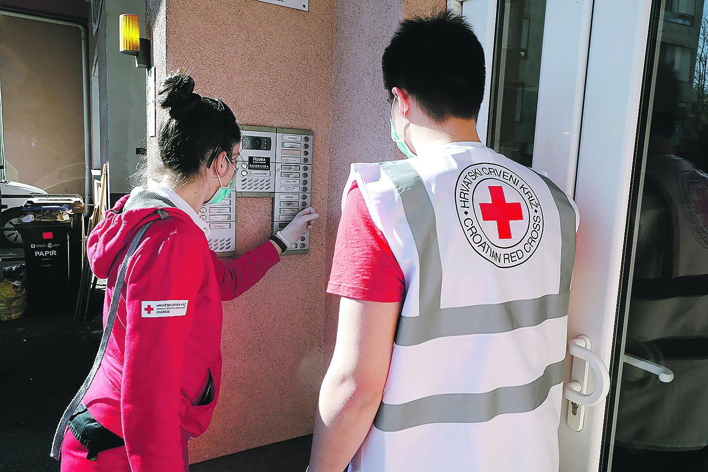 Volonteri Crvenog križa imaju jasno vidljive oznake