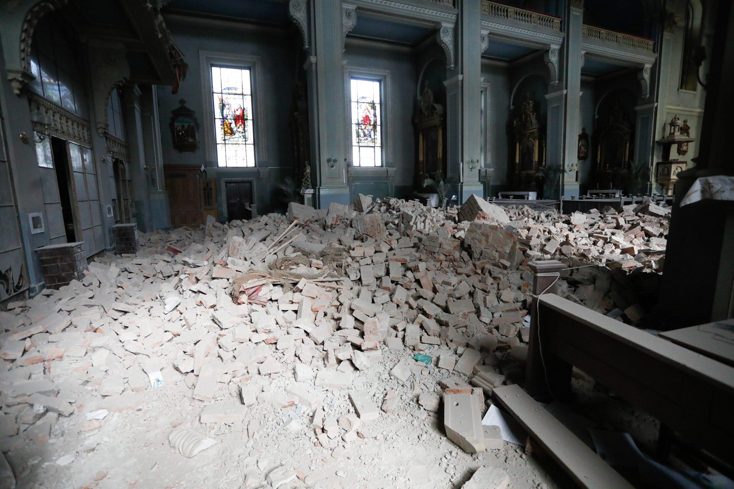 Srušen strop crkve u Palmotićevoj ulici