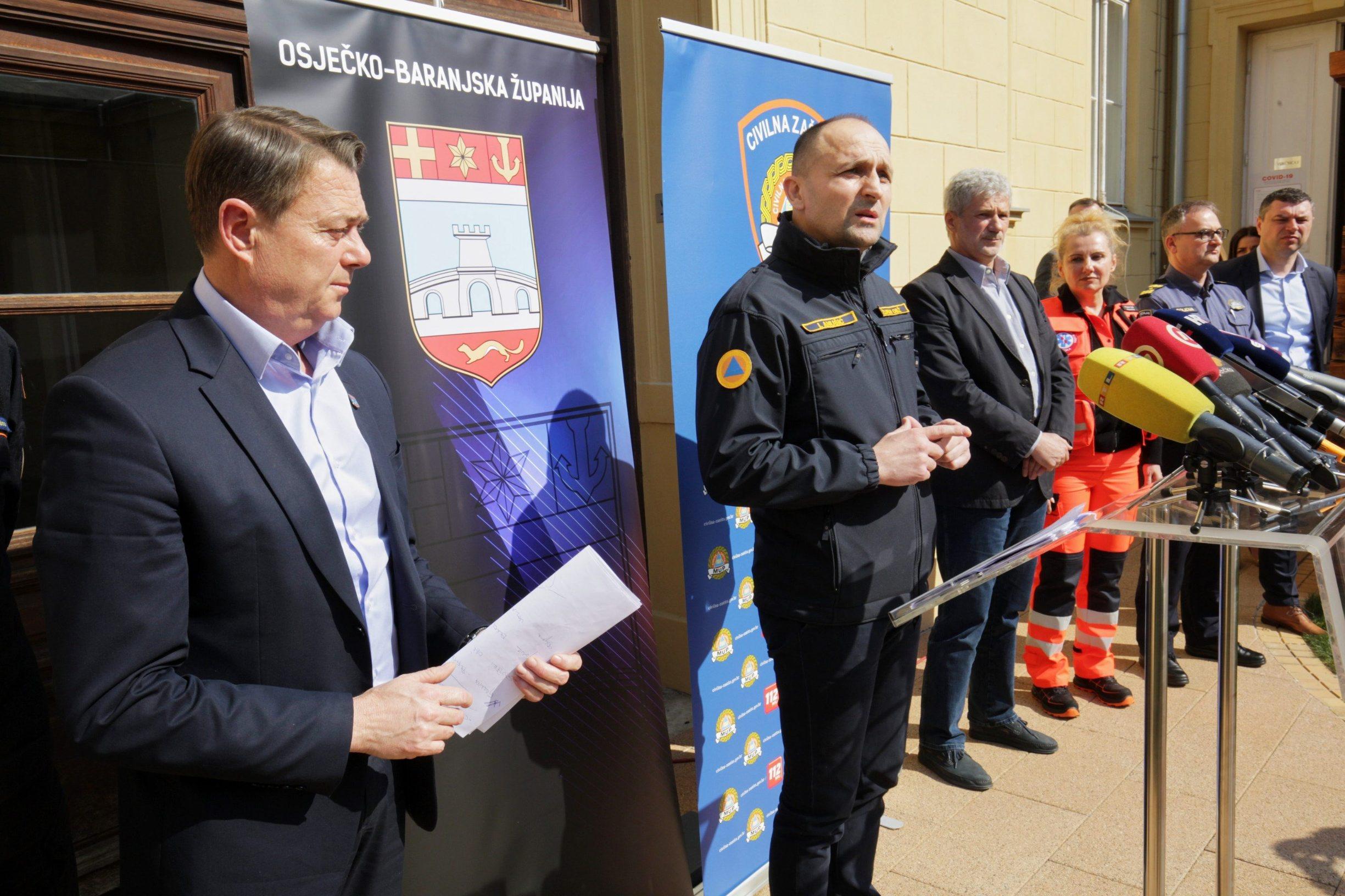 Osijek, 180320 Konferencija za medije Stozera za civilnu zastitu OBZ-a.  Na fotografiji: Goran Ivanovici Ivan Anusic zupan osjecko baranjski.  Foto: Vlado Kos / CROPIX