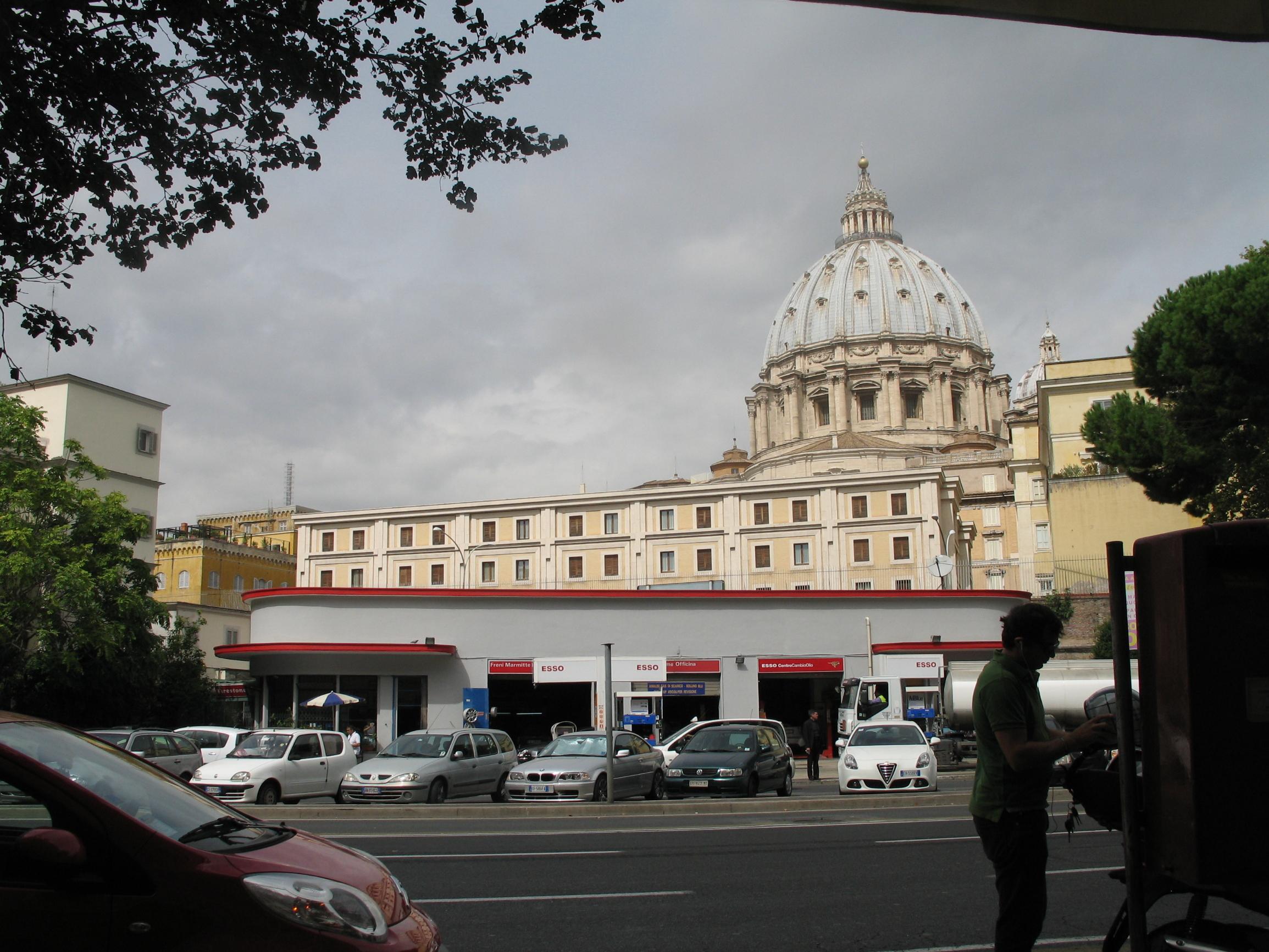 Pogled na Dom sv. Marte u sklopu Vatikanskog grada
