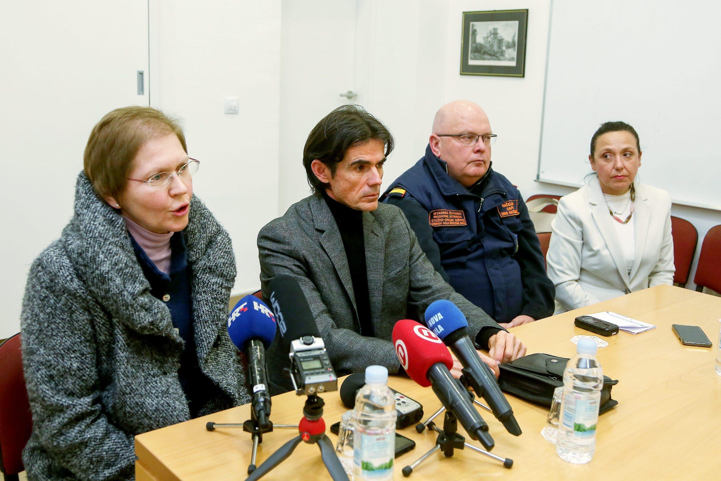 Pula, 090320. Stozer civilne zastite Istraske zupanije sazvao je press konferenciju kako bi informirali javnost da se u Istri pojavio koronavirus. Jednoj hospitaliziranoj osobi potvrdjen je virus. Foto: Goran Sebelic / CROPIX