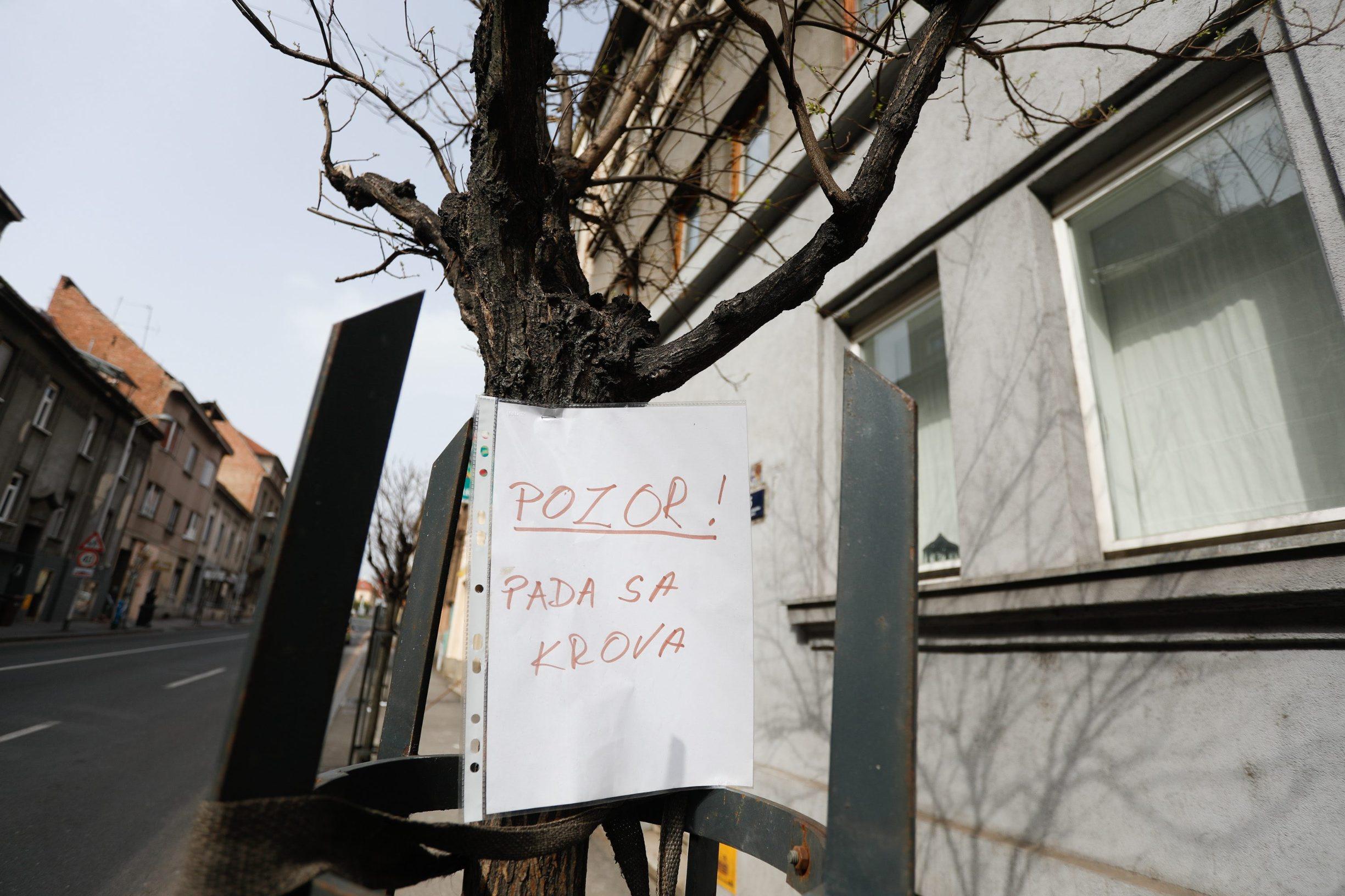 Zagreb, 270320. Domjaniceva ulica. U jutarnjim satima poginuo radnik koji je pao s krova zgrade u Domjanicevoj ulici.  Foto: Marko Todorov / CROPIX