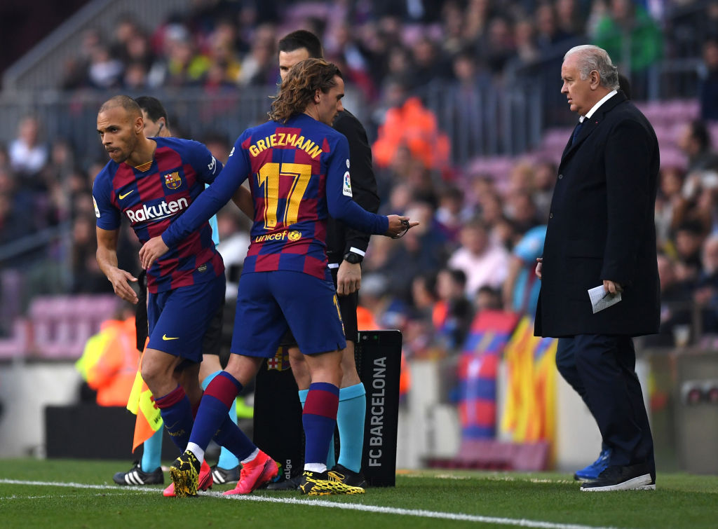 BARCELONA, SPAIN - FEBRUARY 22: Martin Braithwaite of FC Barcelona replaces Antoine Griezmann of FC Barcelona during the La Liga match between FC Barcelona and SD Eibar SAD at Camp Nou on February 22, 2020 in Barcelona, Spain. (Photo by Alex Caparros/Getty Images)