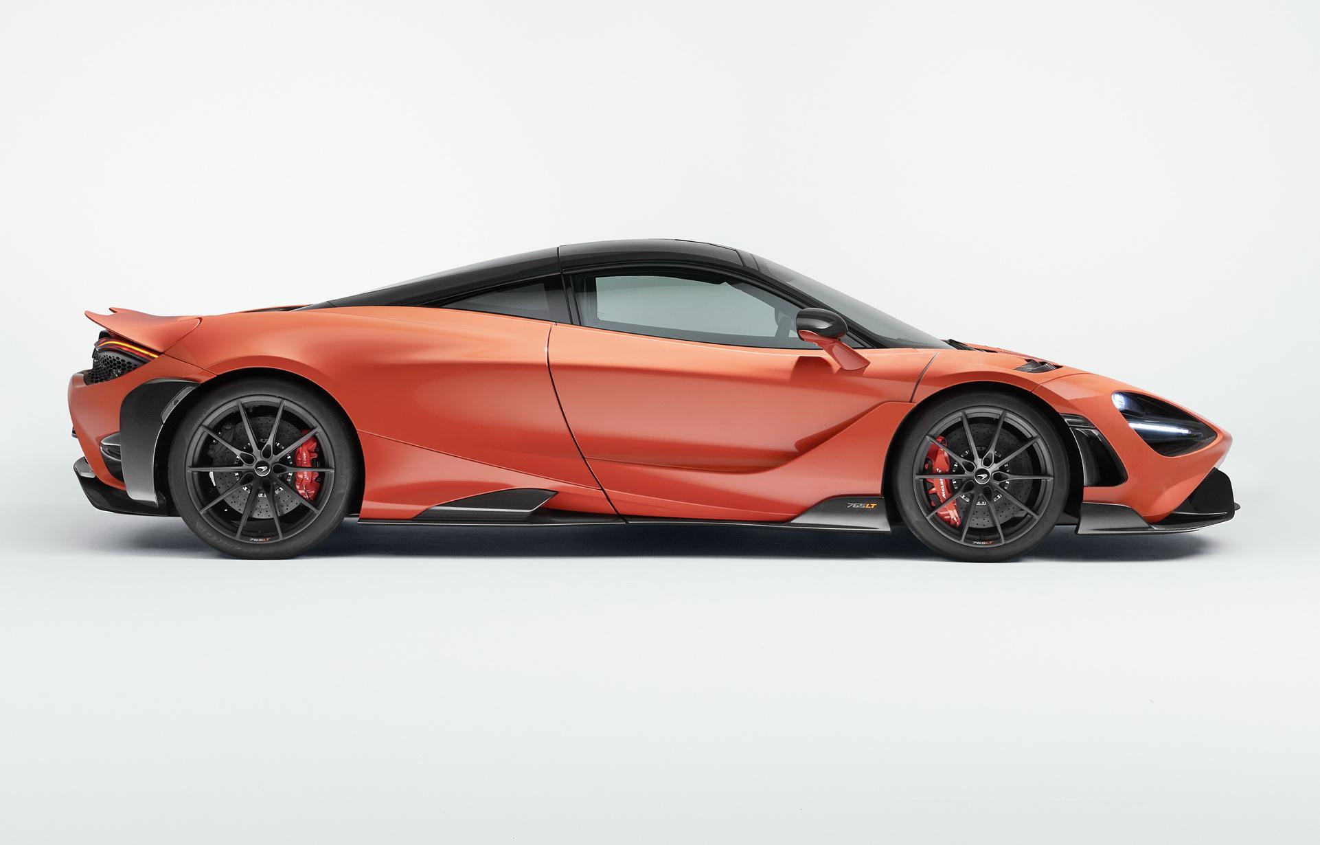 McLaren-765LT_Studio_01