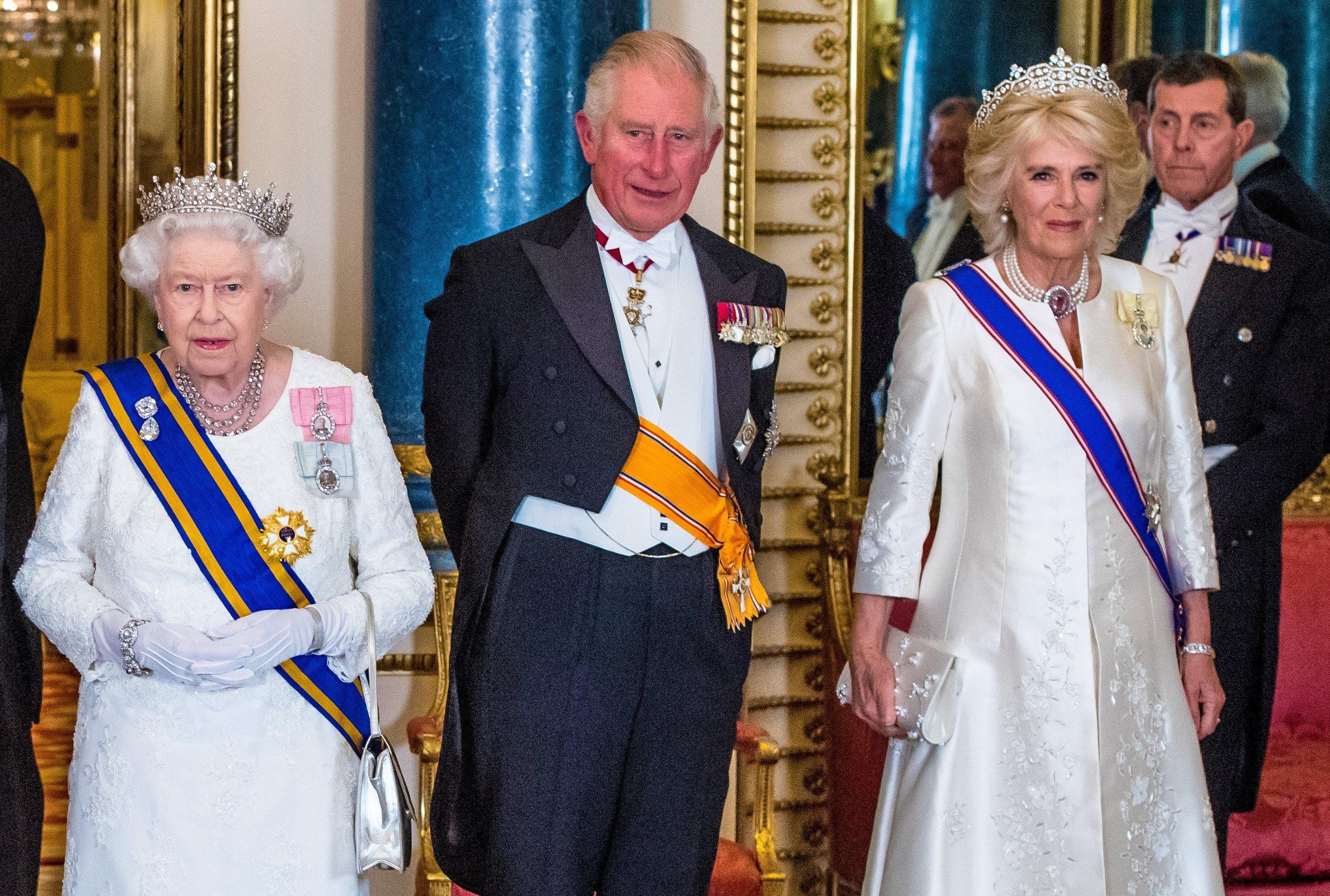 Charles se nakon samo tjedan dana oporavio od bolesti, a Camilla, iako negativna na virus, još uvijek je u samoizolaciji.