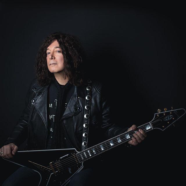 """Alan Merrill sredinom sedamdesetih osnovao je bend Arrow s kojim je snimio """"I Love Rock'n Roll""""."""