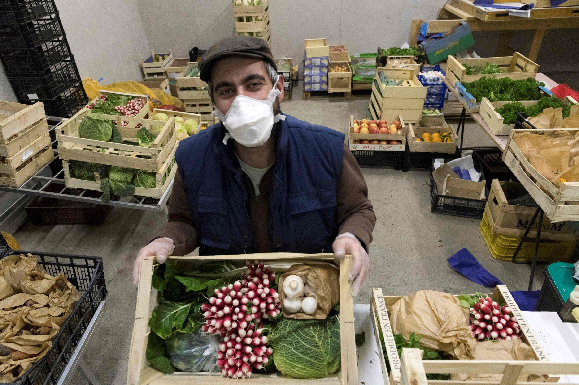 Francuska i Njemačka godišnje zajedno imaju oko 500 tisuća sezonskih radnika, a sada razmatraju kako osigurati uspješnu berbu voća i povrća