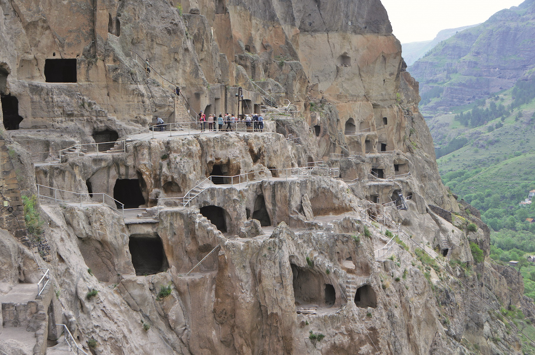Hoehlenstadt (cave monastery) Vardzia (Wardzia) in the southwest of Georgia - here were once 2000 cave apartments, which were connected by stairs, galleries and terraces, recorded on 20.05.2019 | usage worldwide