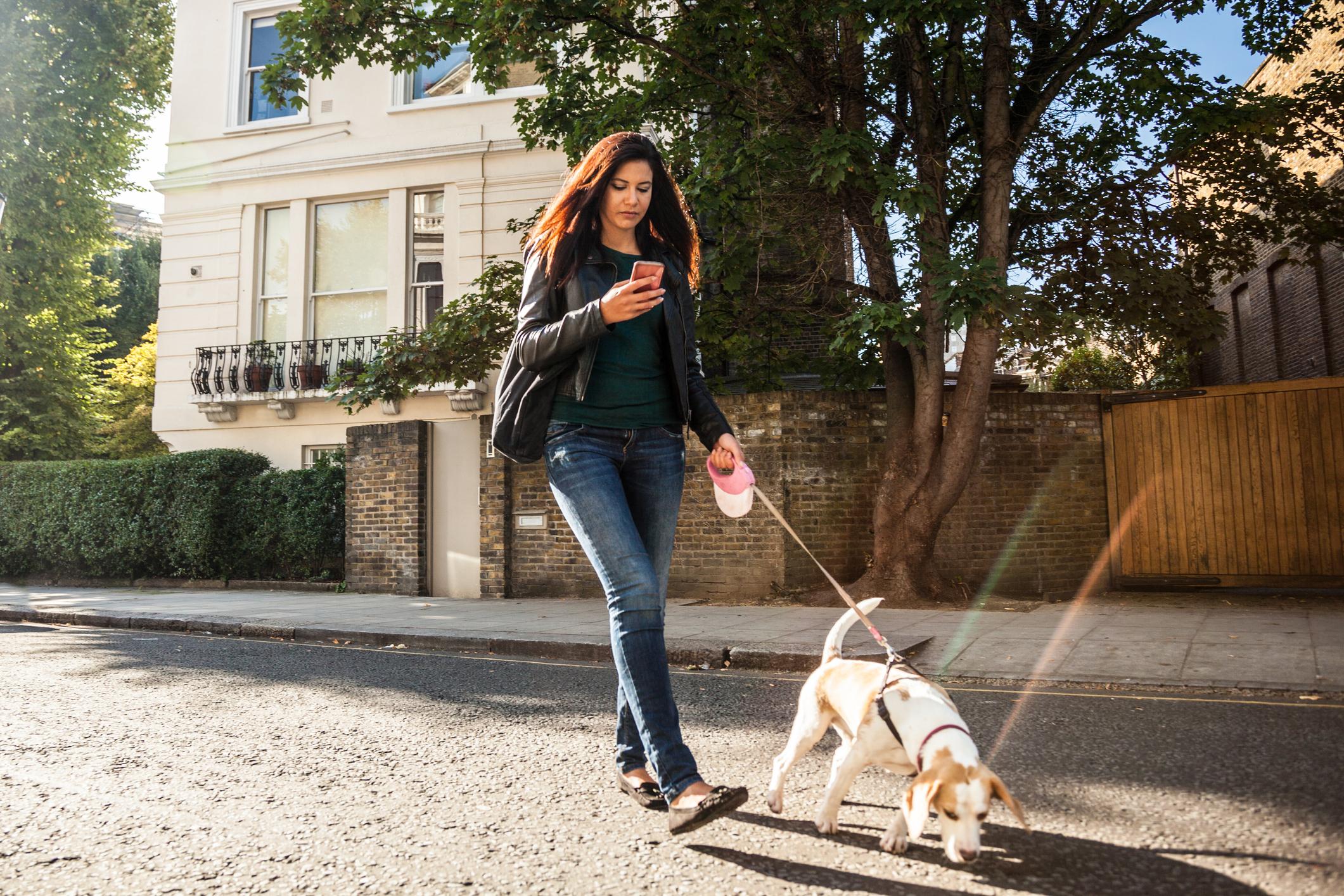 Kretanje pisača poruka drugačije je od kretanja osobe koja razgovara na telefon